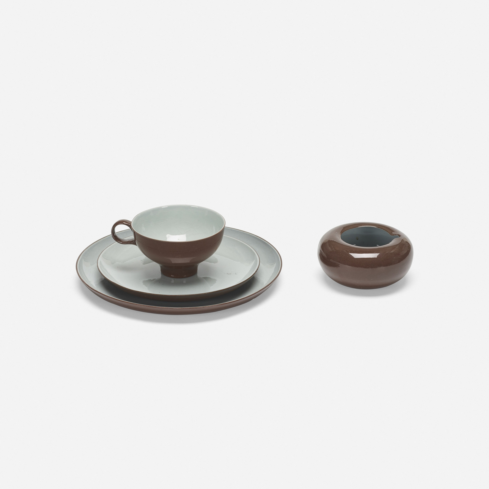 333: Eva Zeisel / collection of tableware (2 of 3)