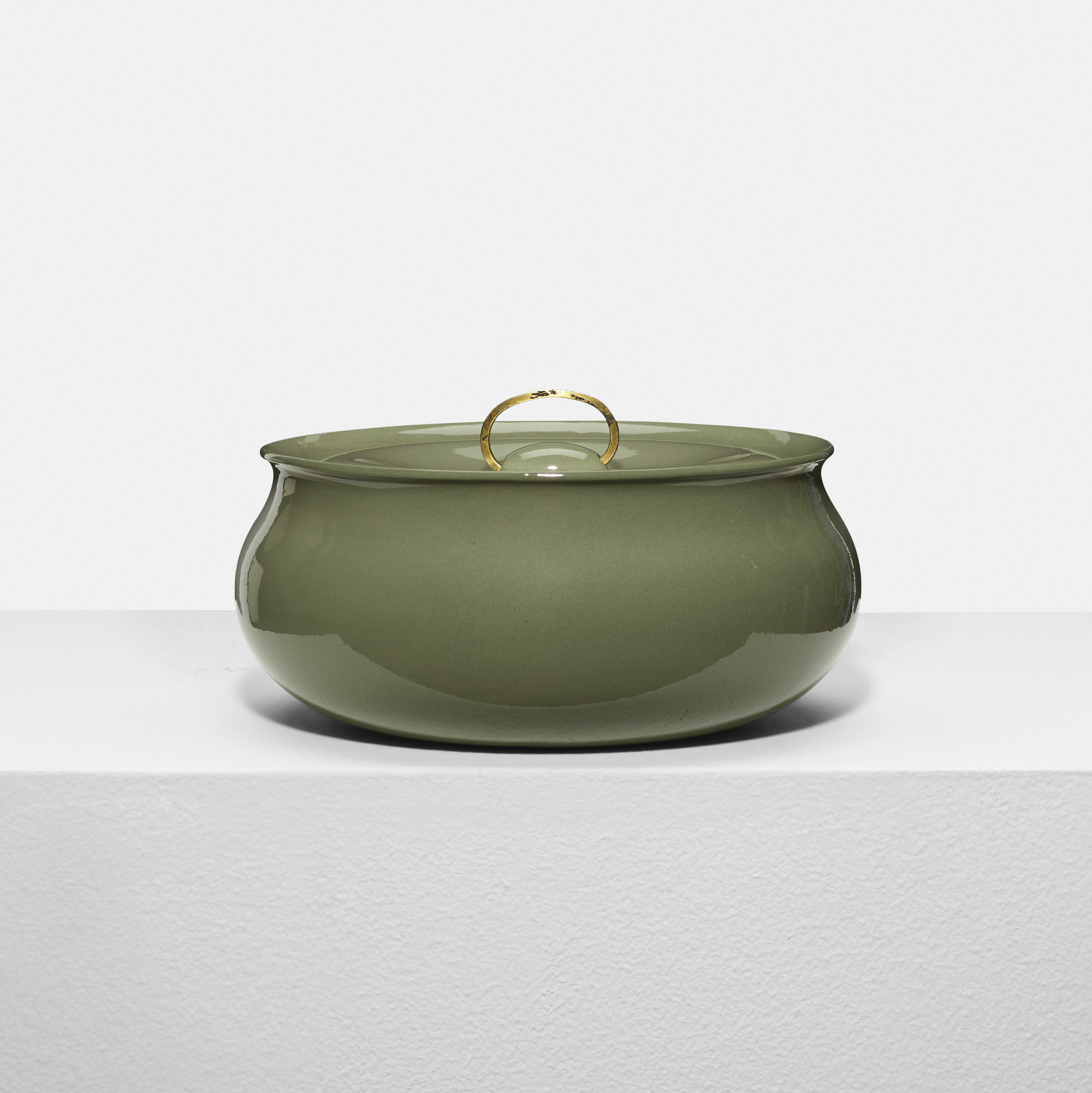 334: Eva Zeisel / lidded casserole dish (1 of 2)