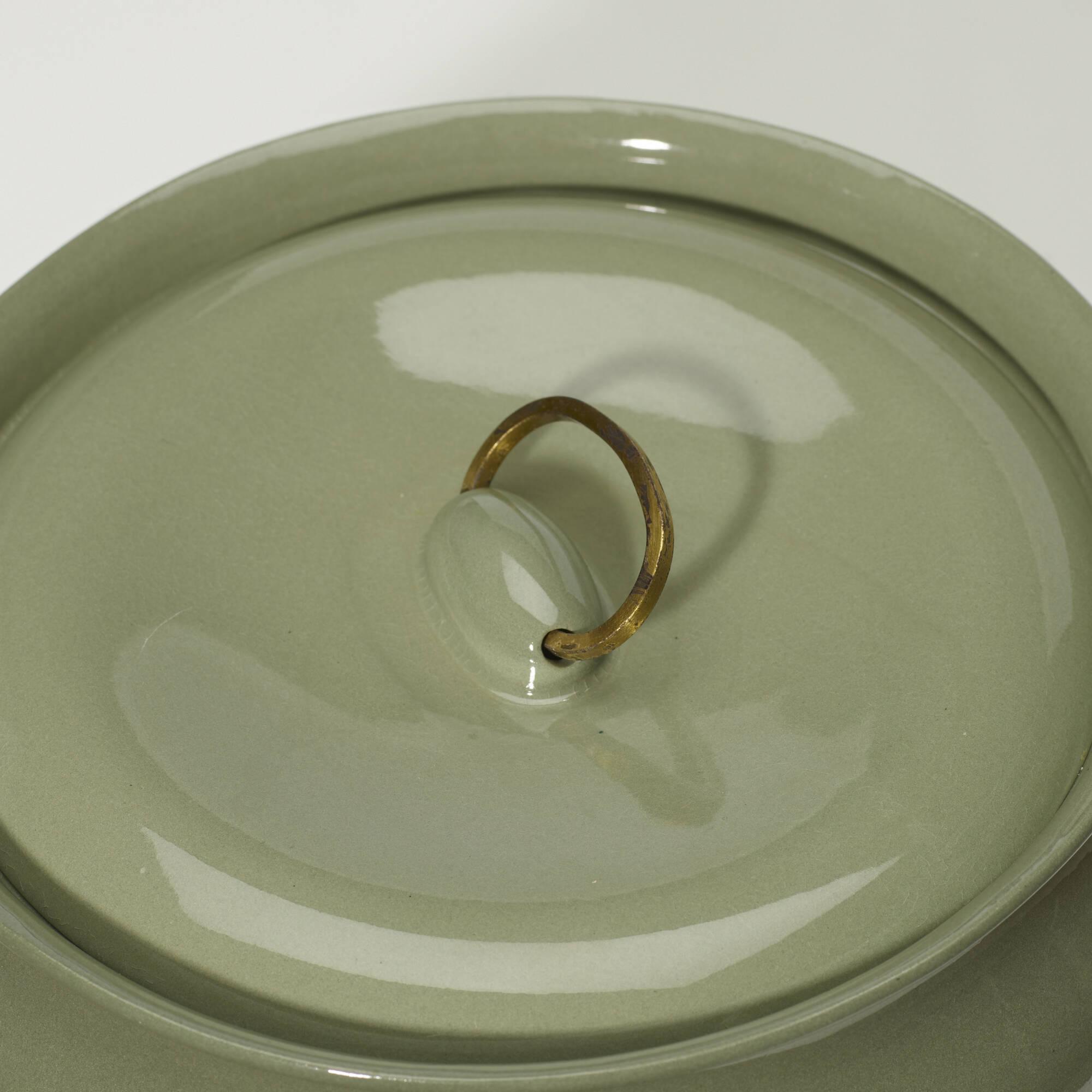 334: Eva Zeisel / lidded casserole dish (2 of 2)