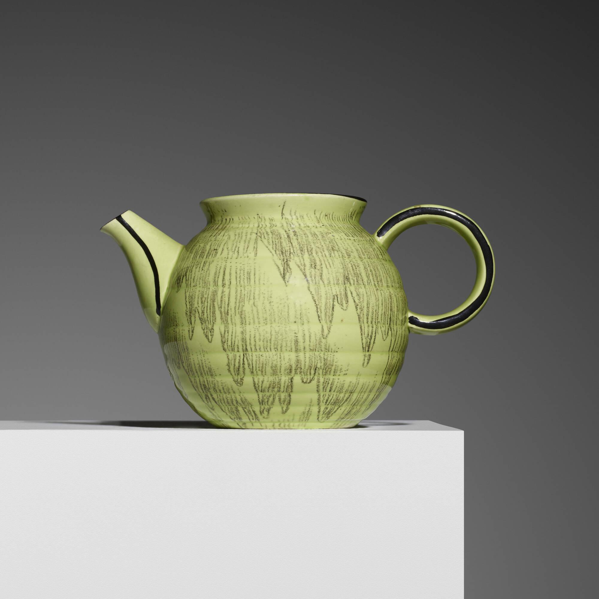 337: Eva Zeisel / teapot (1 of 2)