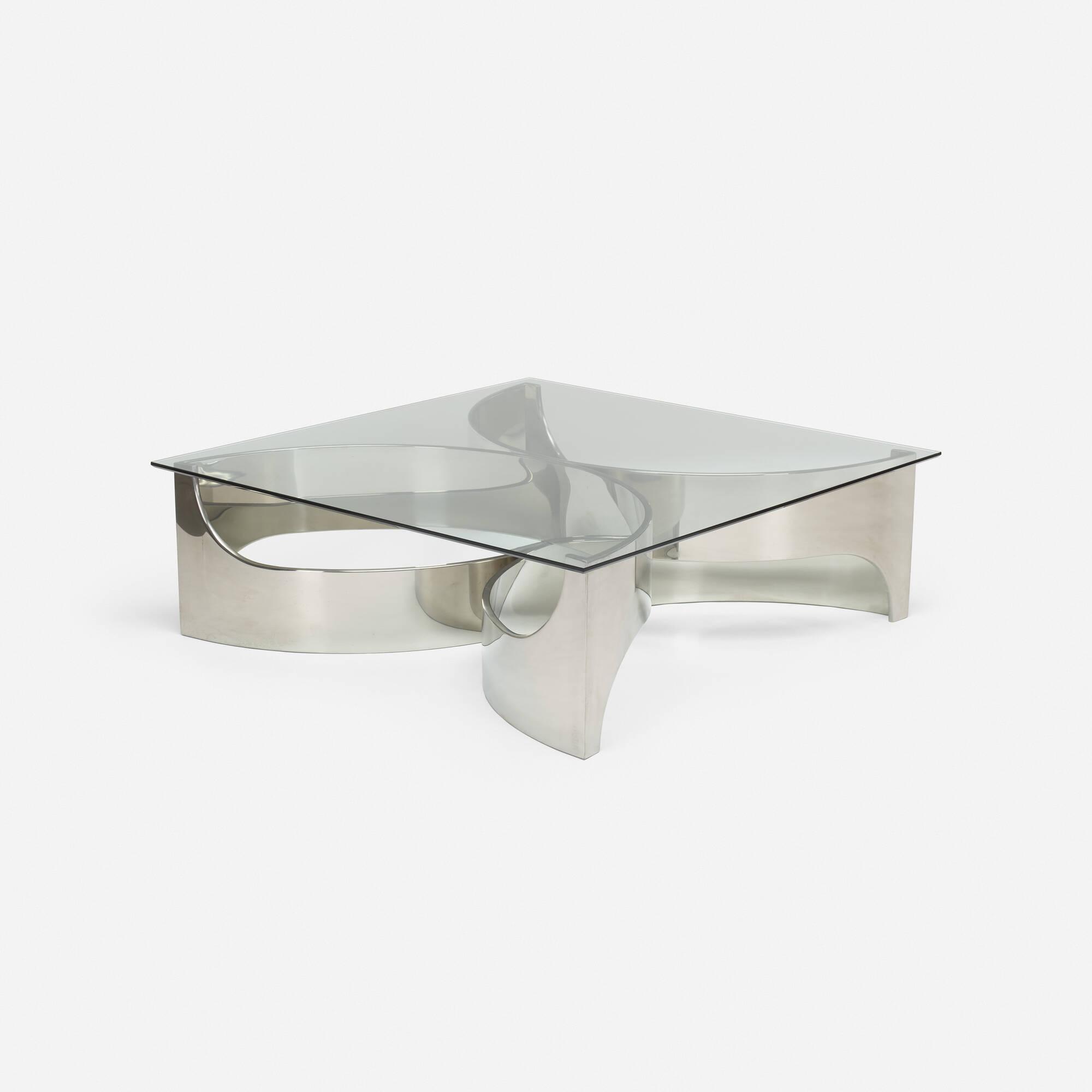 337: Maxform / coffee table (1 of 3)