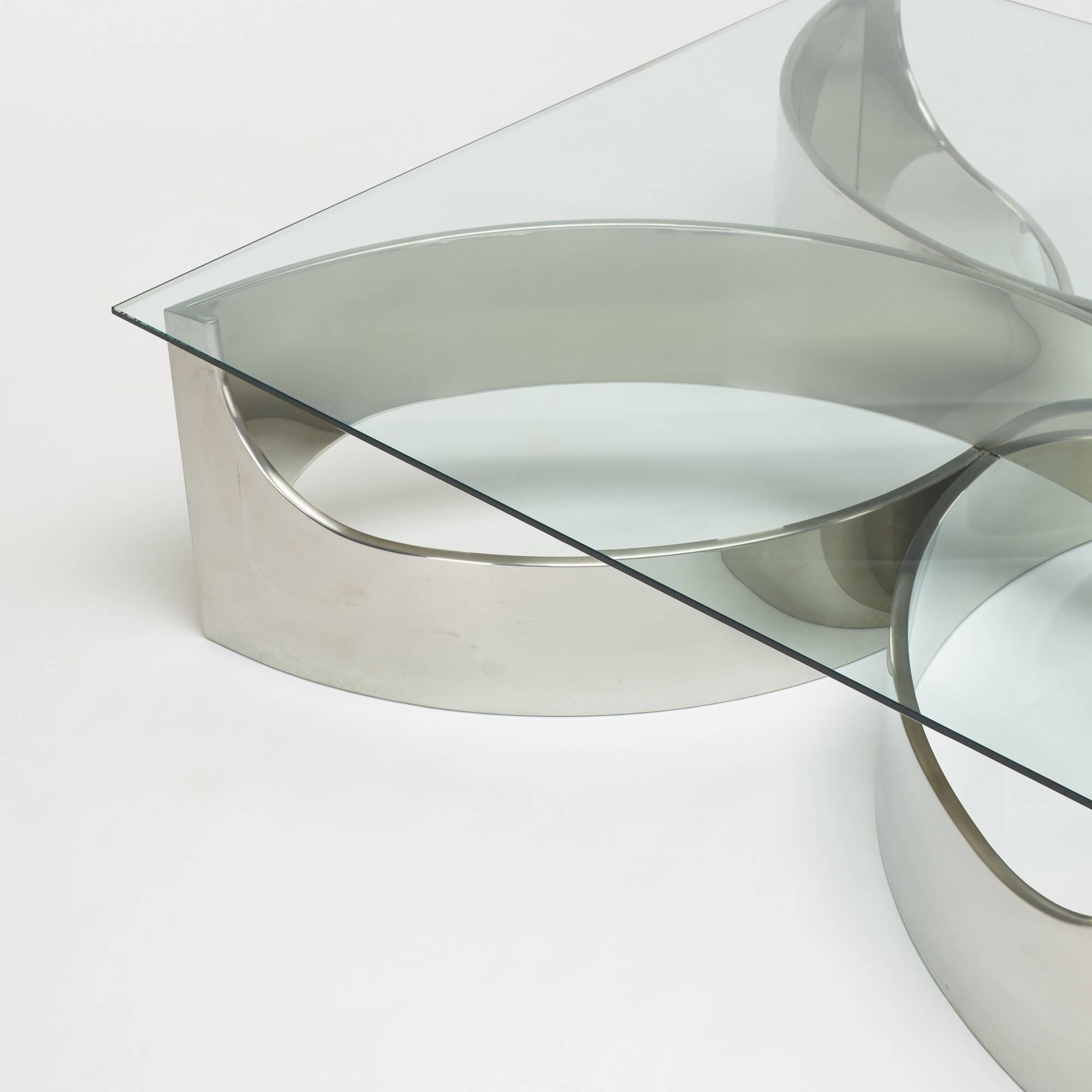 337: Maxform / coffee table (2 of 3)