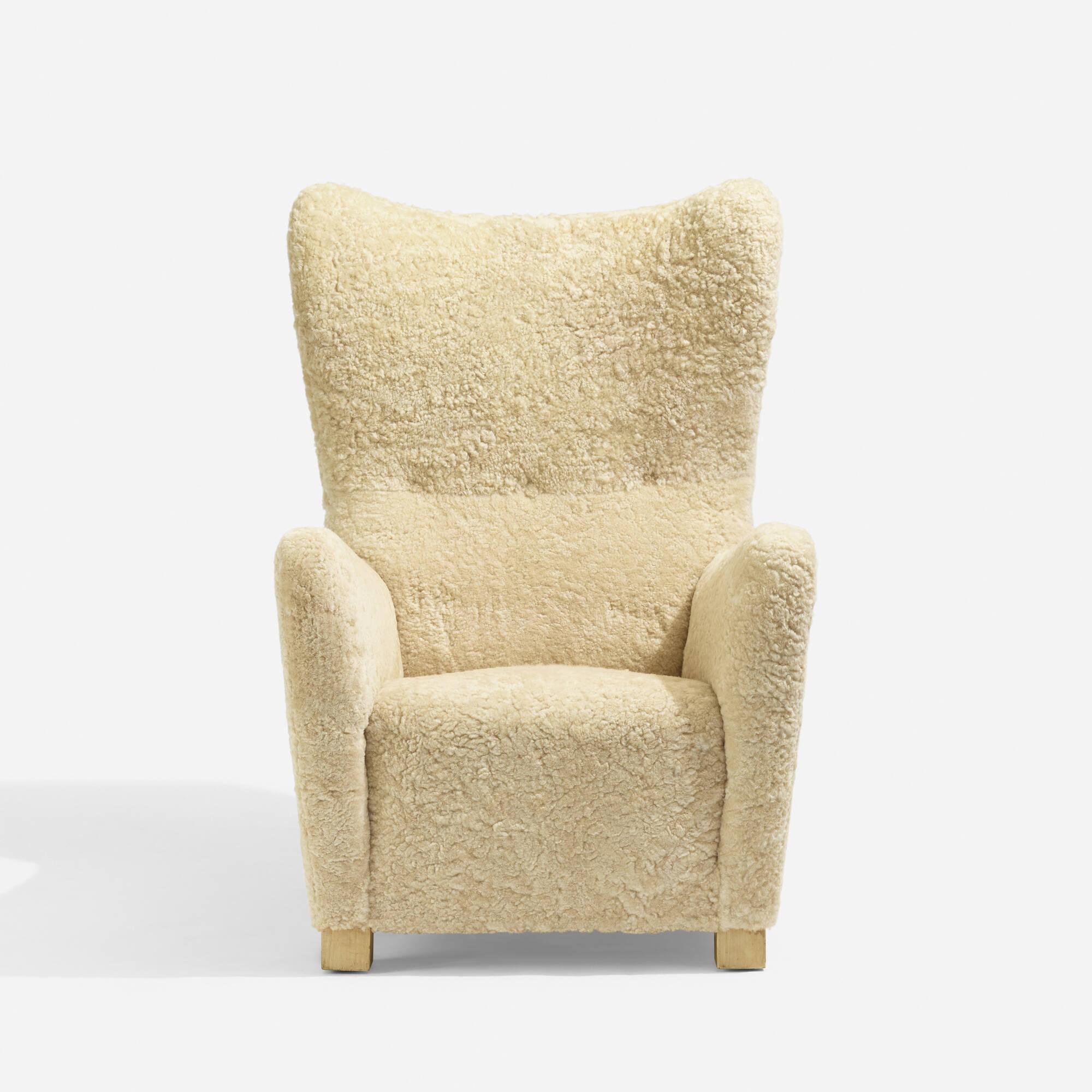 338: Fritz Hansen / Wing Back armchair, model 1672 (1 of 5)