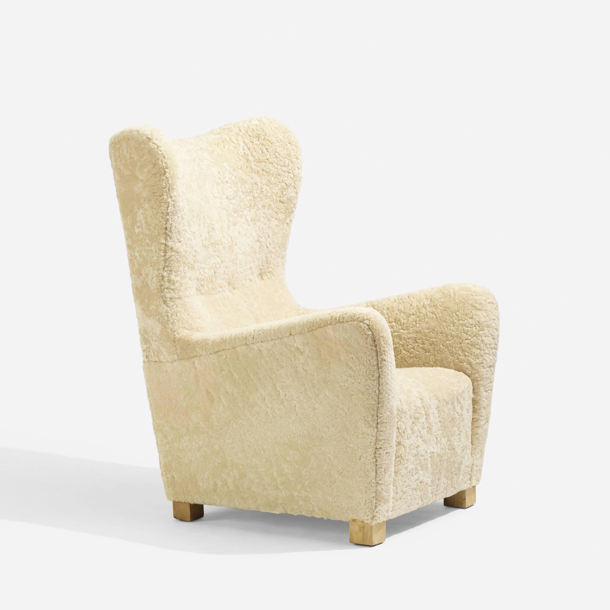 338: Fritz Hansen / Wing Back armchair, model 1672 (3 of 5)