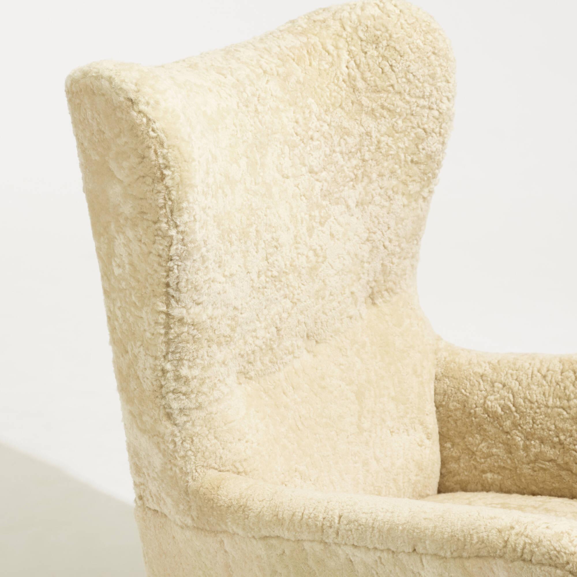 338: Fritz Hansen / Wing Back armchair, model 1672 (5 of 5)