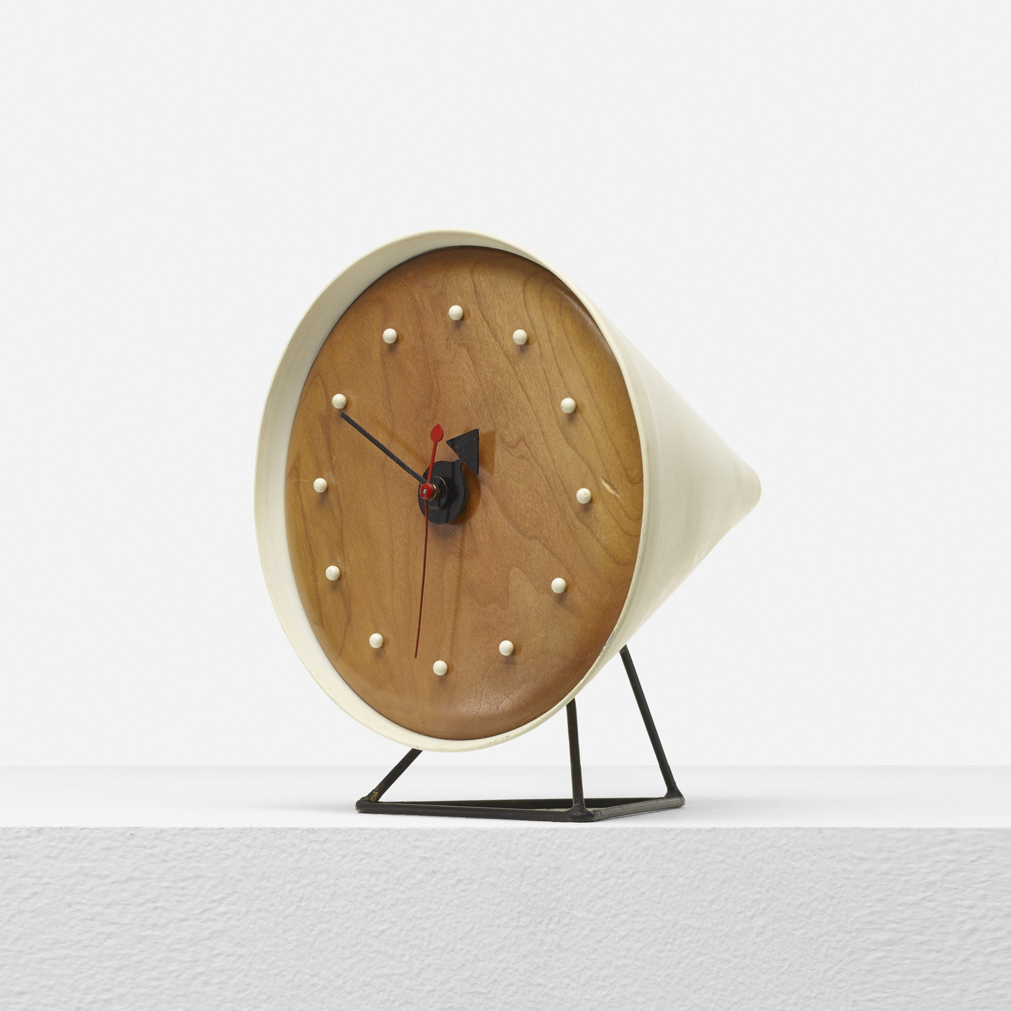345: George Nelson & Associates / Cone table clock, model 2218A (1 of 3)