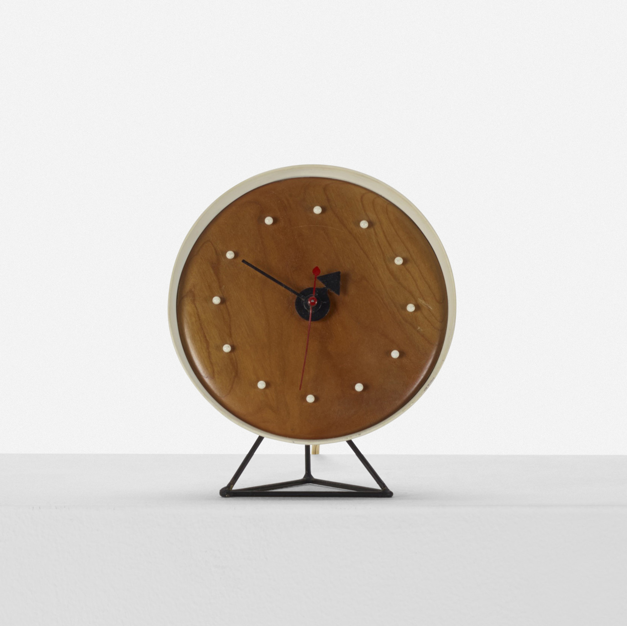 345: George Nelson & Associates / Cone table clock, model 2218A (2 of 3)