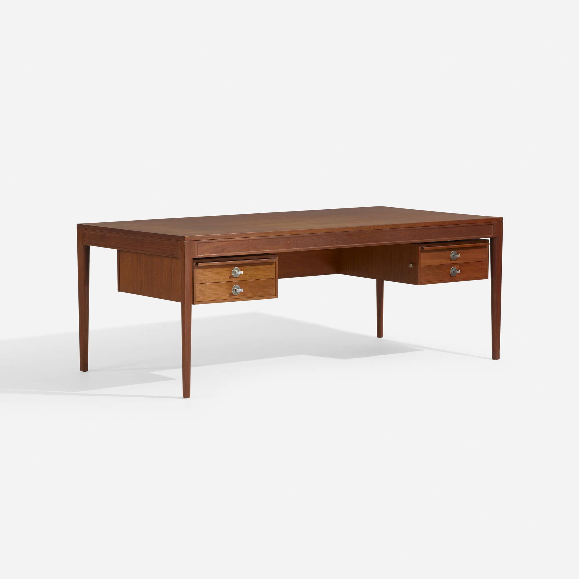 350: Finn Juhl / Diplomat desk (1 of 3)