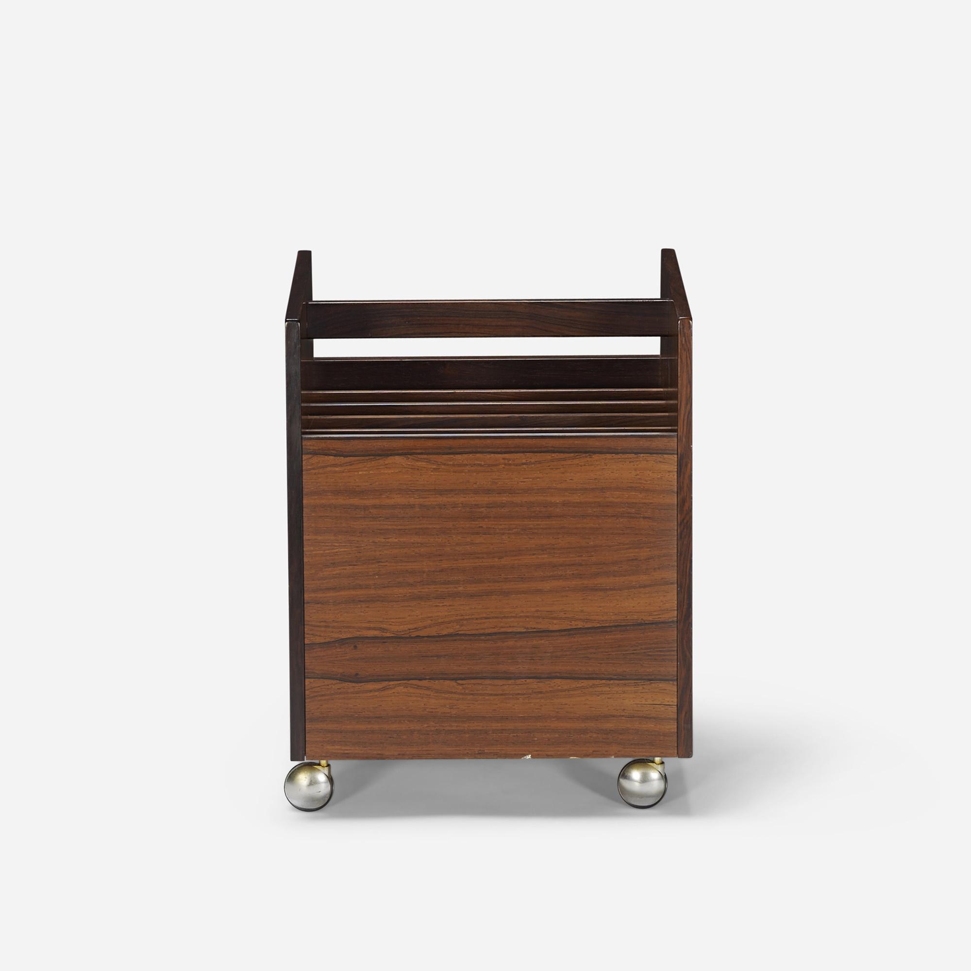 350: Rolf Hesland / magazine stand (2 of 4)