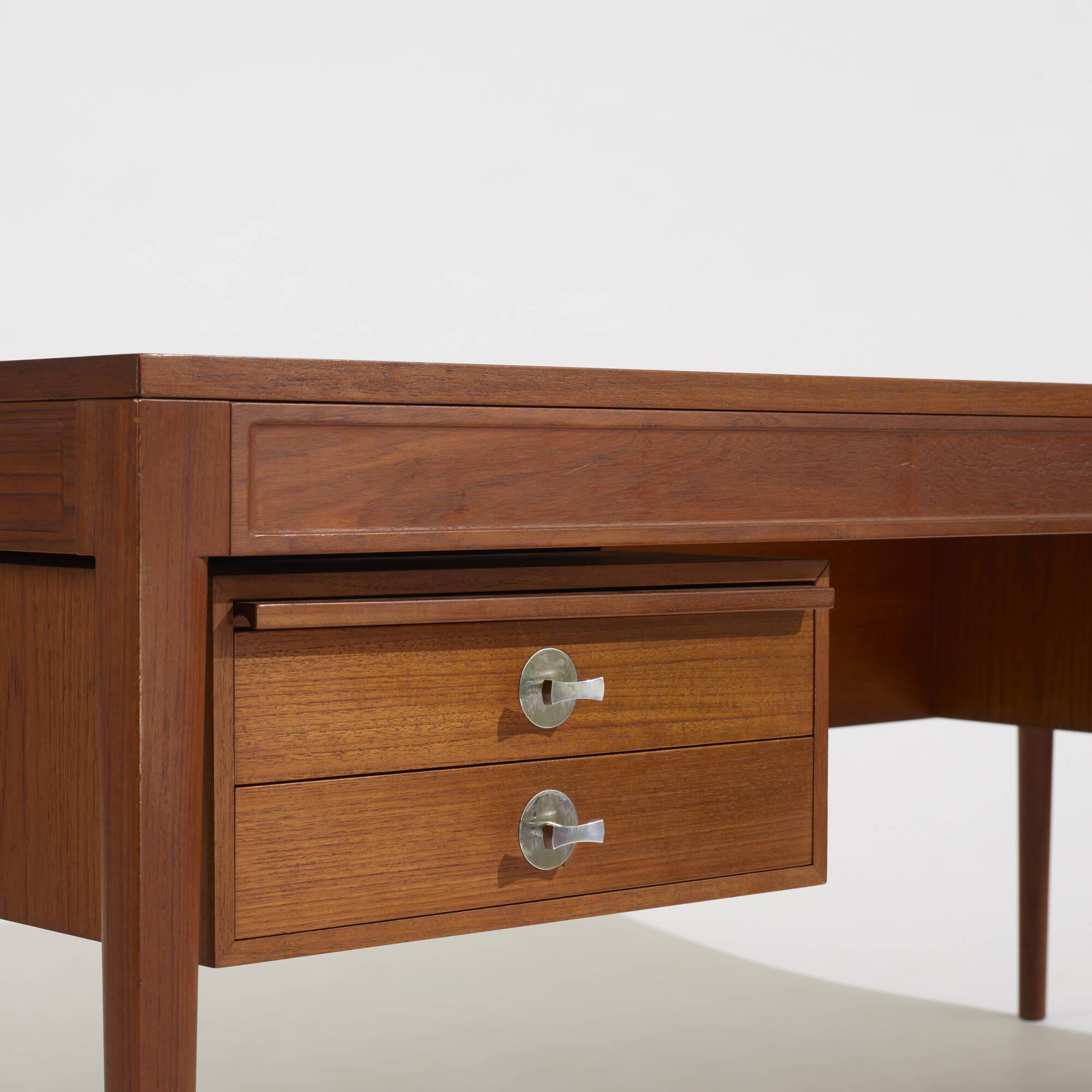 350: Finn Juhl / Diplomat desk (3 of 3)