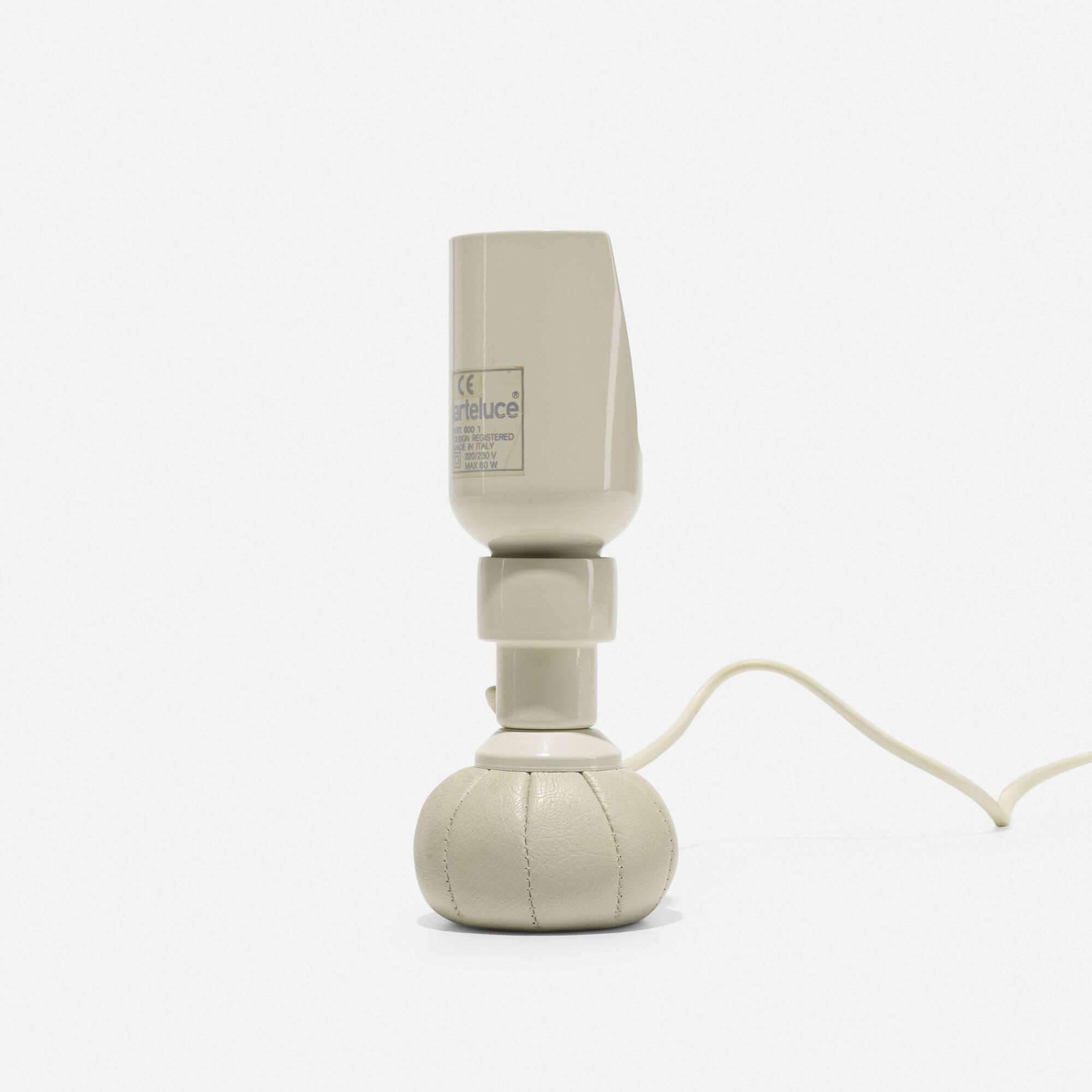 351: Gino Sarfatti / table lamp, model 600 (1 of 2)