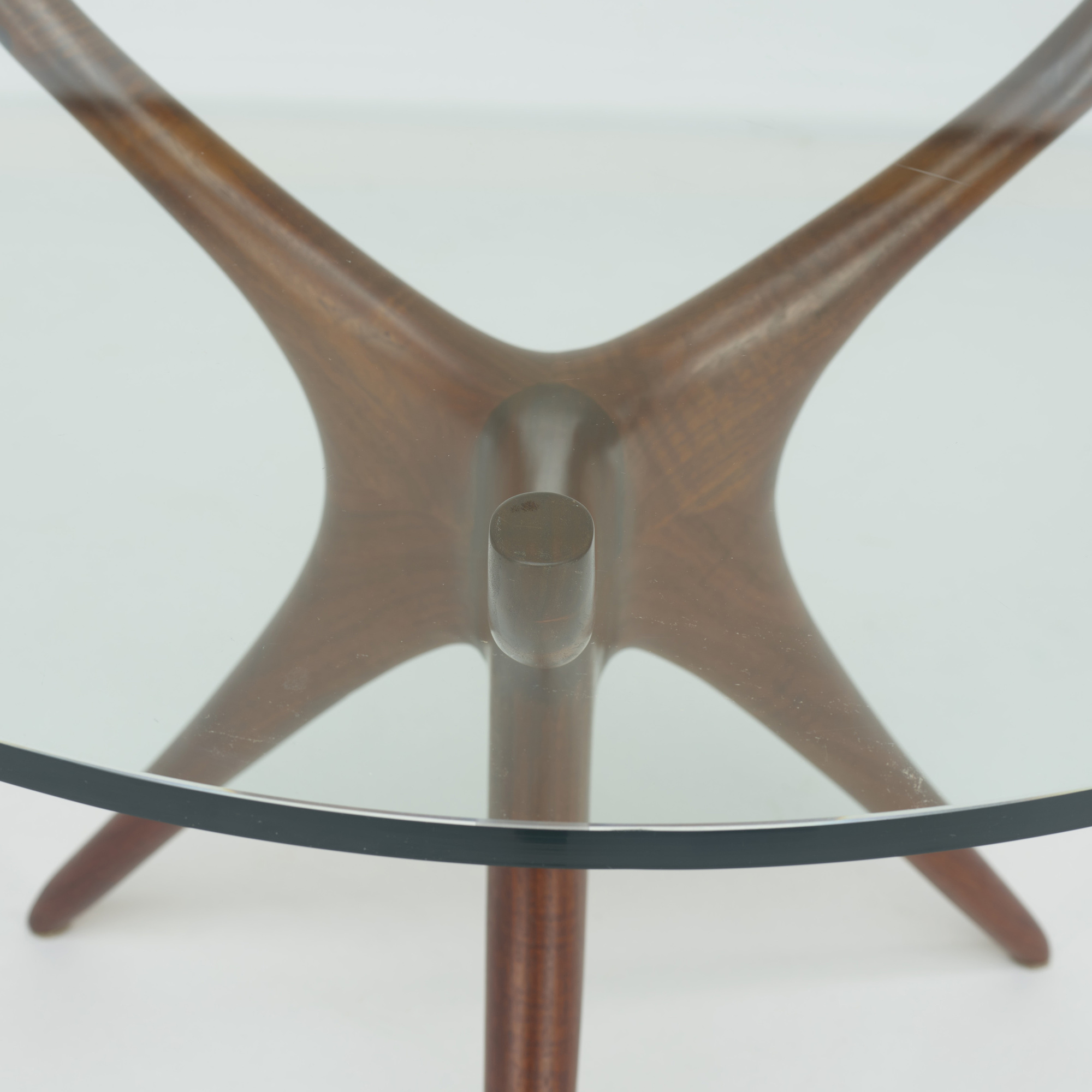 354: Vladimir Kagan / Tri-symmetric dining table (3 of 3)