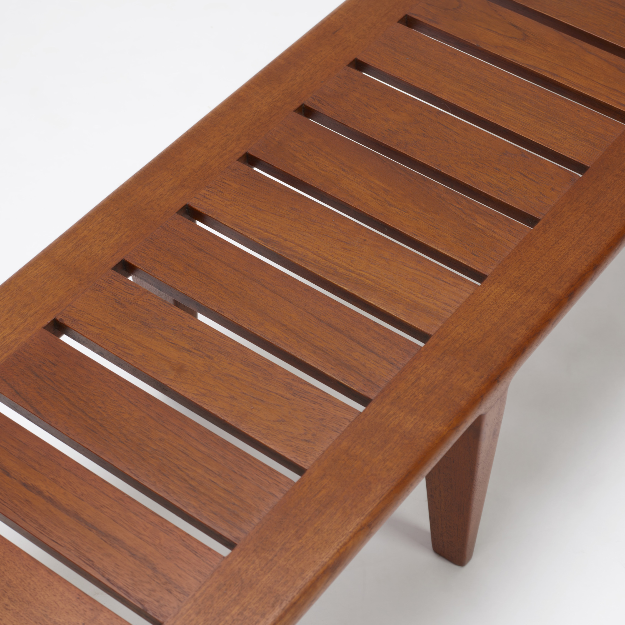 371: Hans J. Wegner / bench (3 of 3)