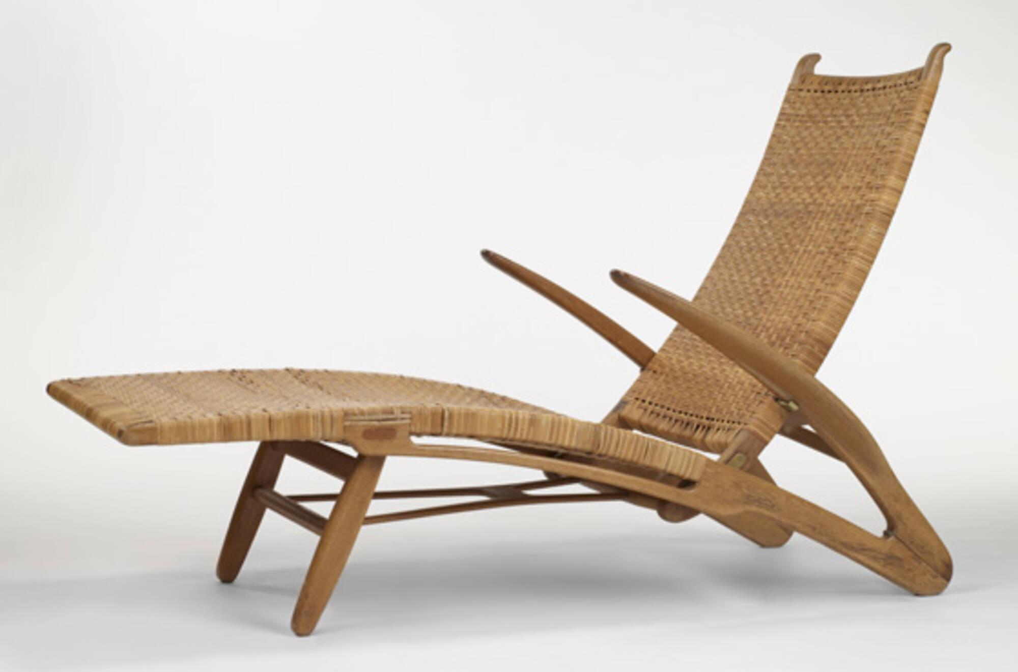 373 Hans J Wegner Chaise Lounge 1 Of 3