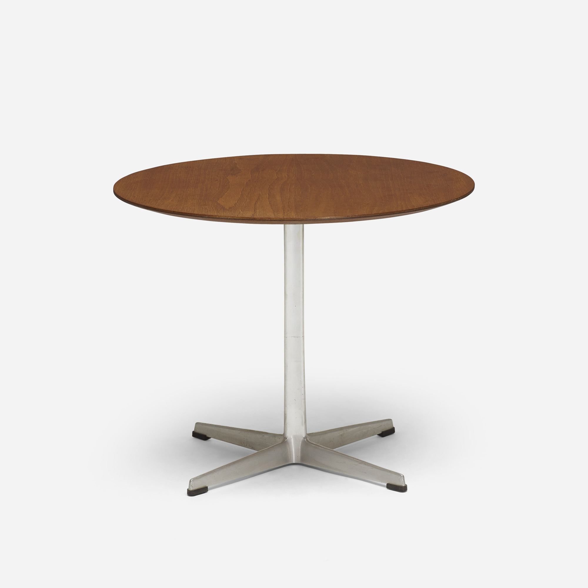 374: Arne Jacobsen / occasional table (1 of 2)