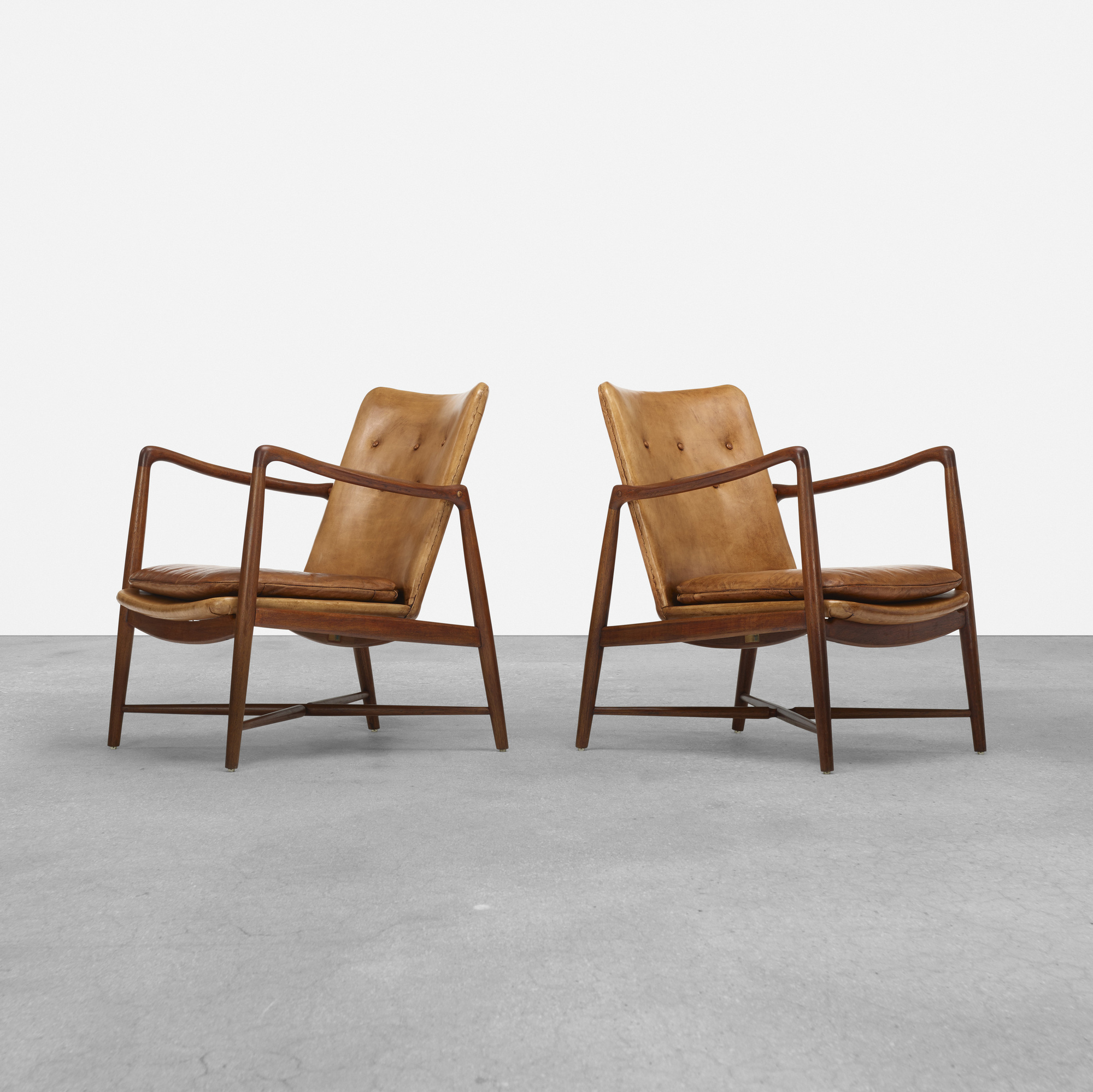 377: Finn Juhl / armchairs, pair (1 of 5)
