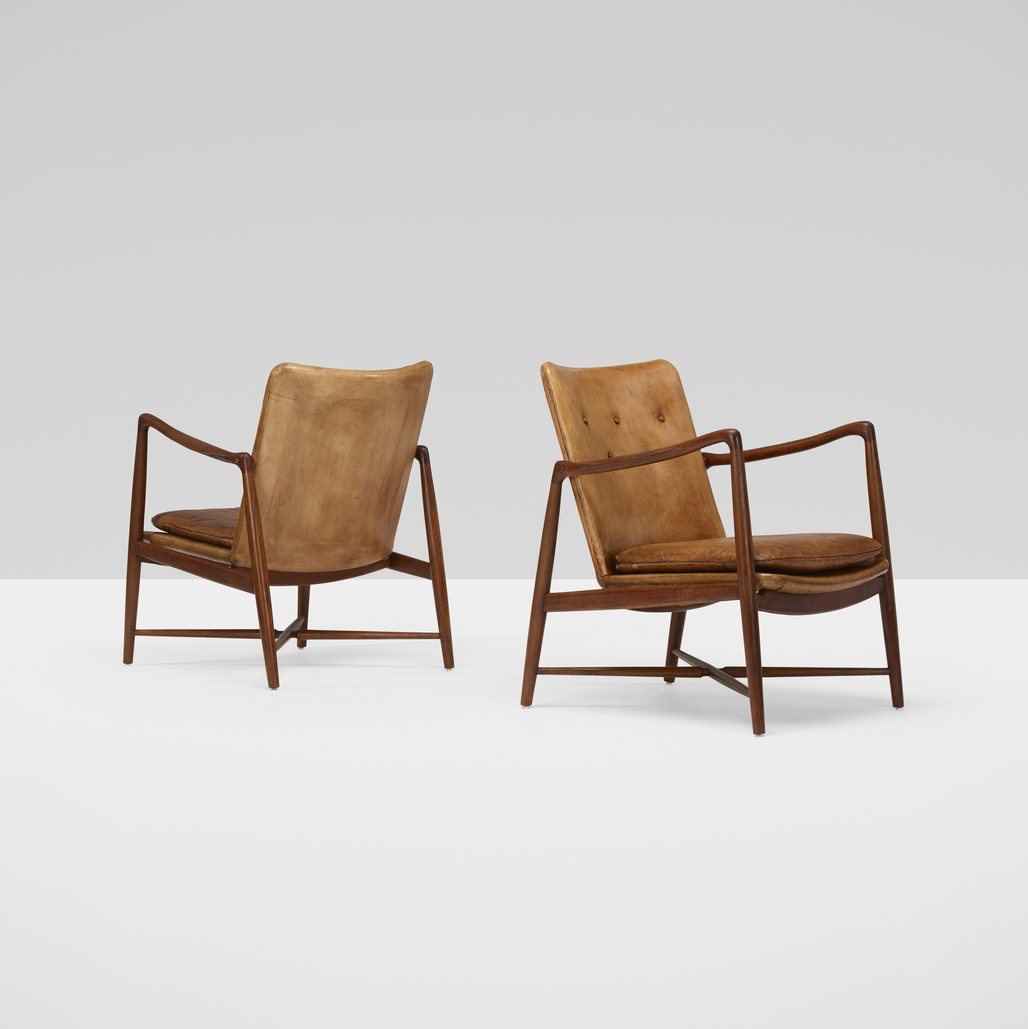 377: Finn Juhl / armchairs, pair (2 of 5)