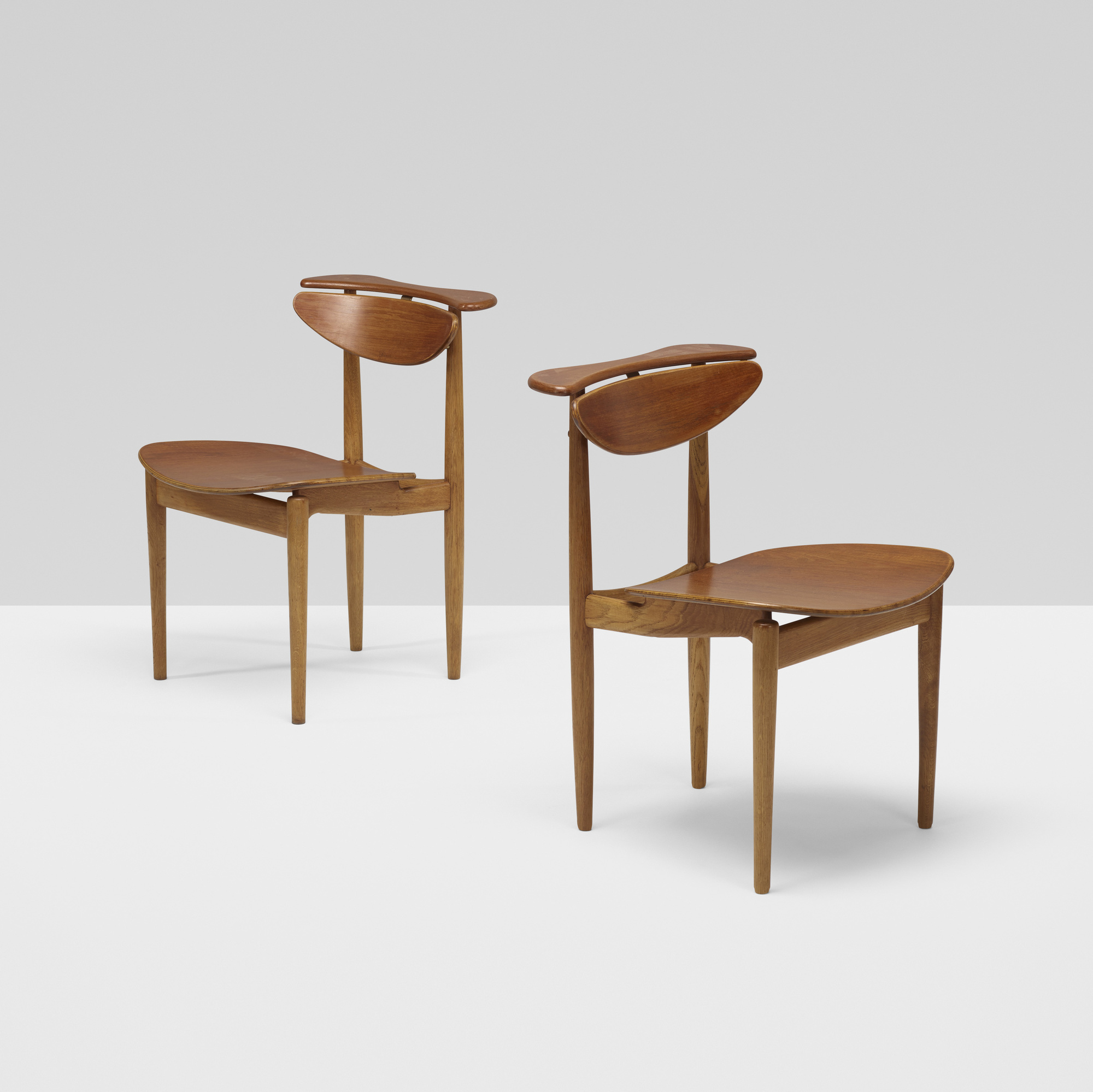 378: Finn Juhl / chairs, pair (1 of 4)