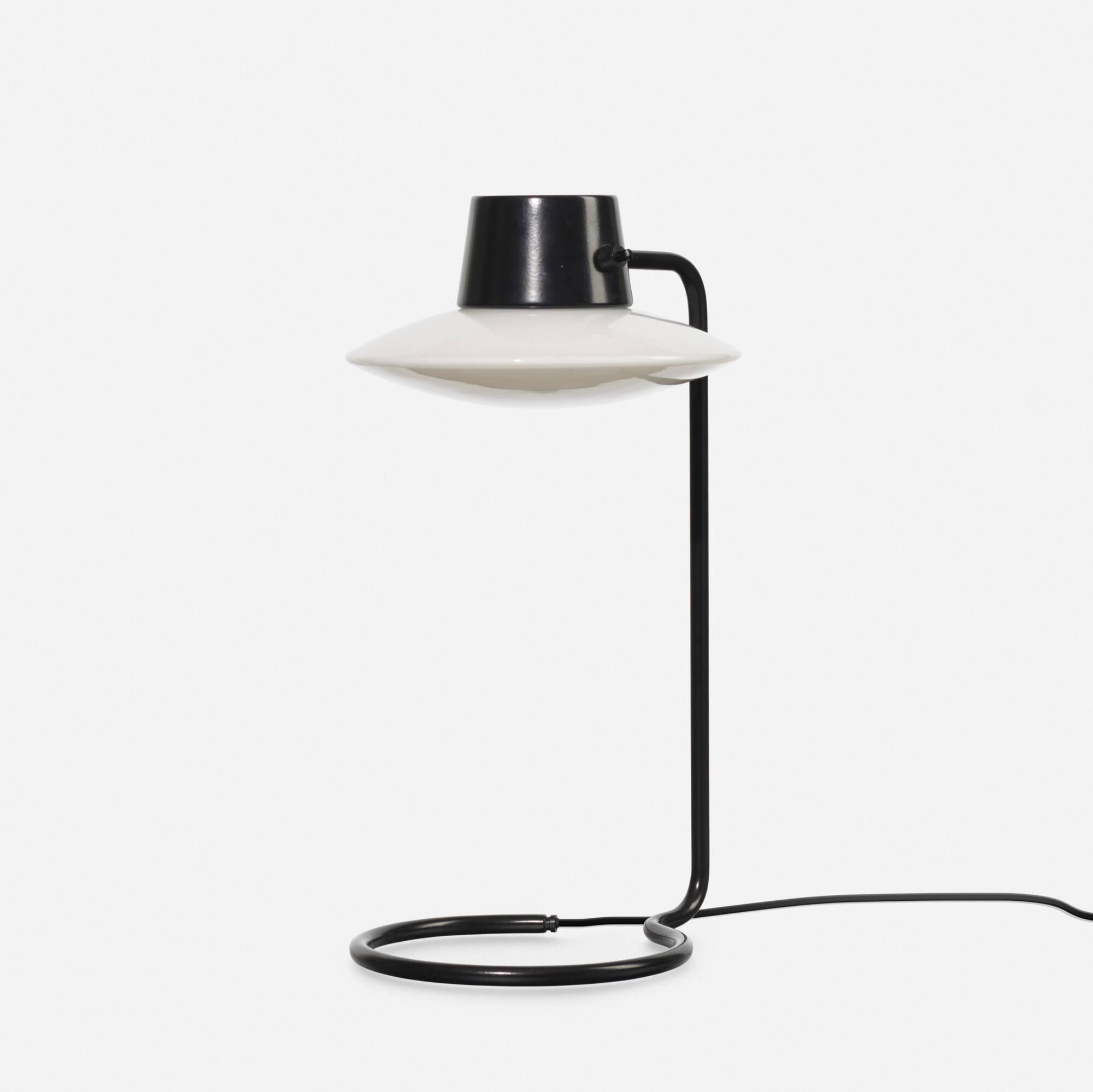 378: Arne Jacobsen / Oxford table lamp (1 of 1)