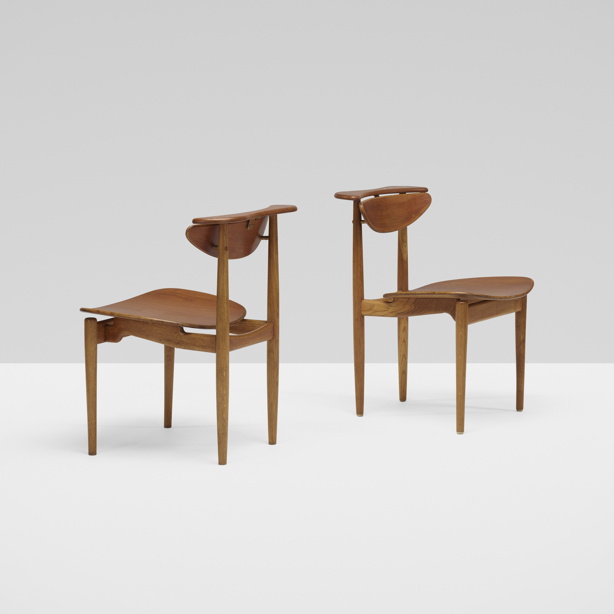 ... 378: Finn Juhl / Chairs, Pair (2 Of 4)
