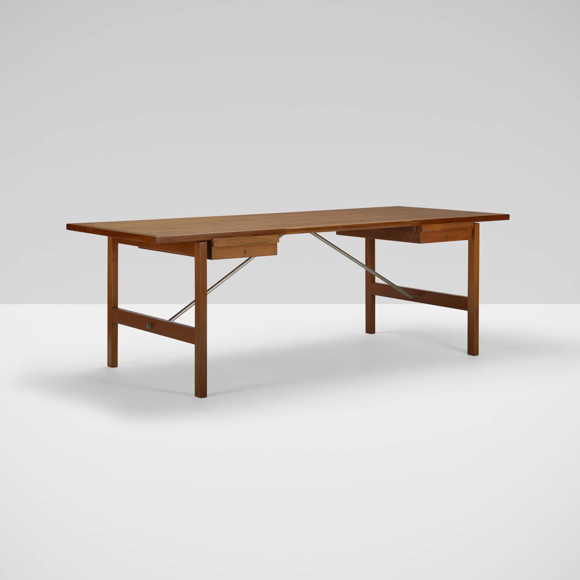 379: Hans J. Wegner / desk, model AT325 A (1 of 3)
