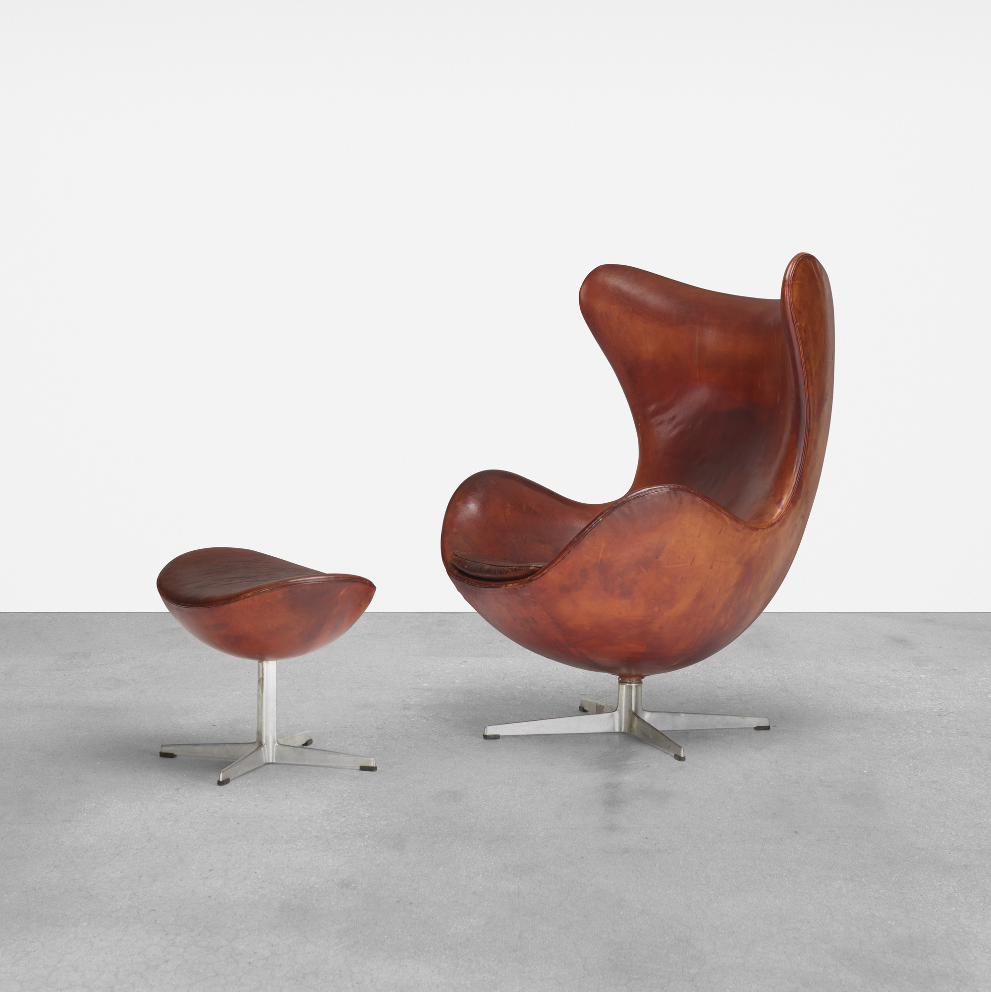 379: Arne Jacobsen / Egg Chair And Ottoman (1 Of 3)
