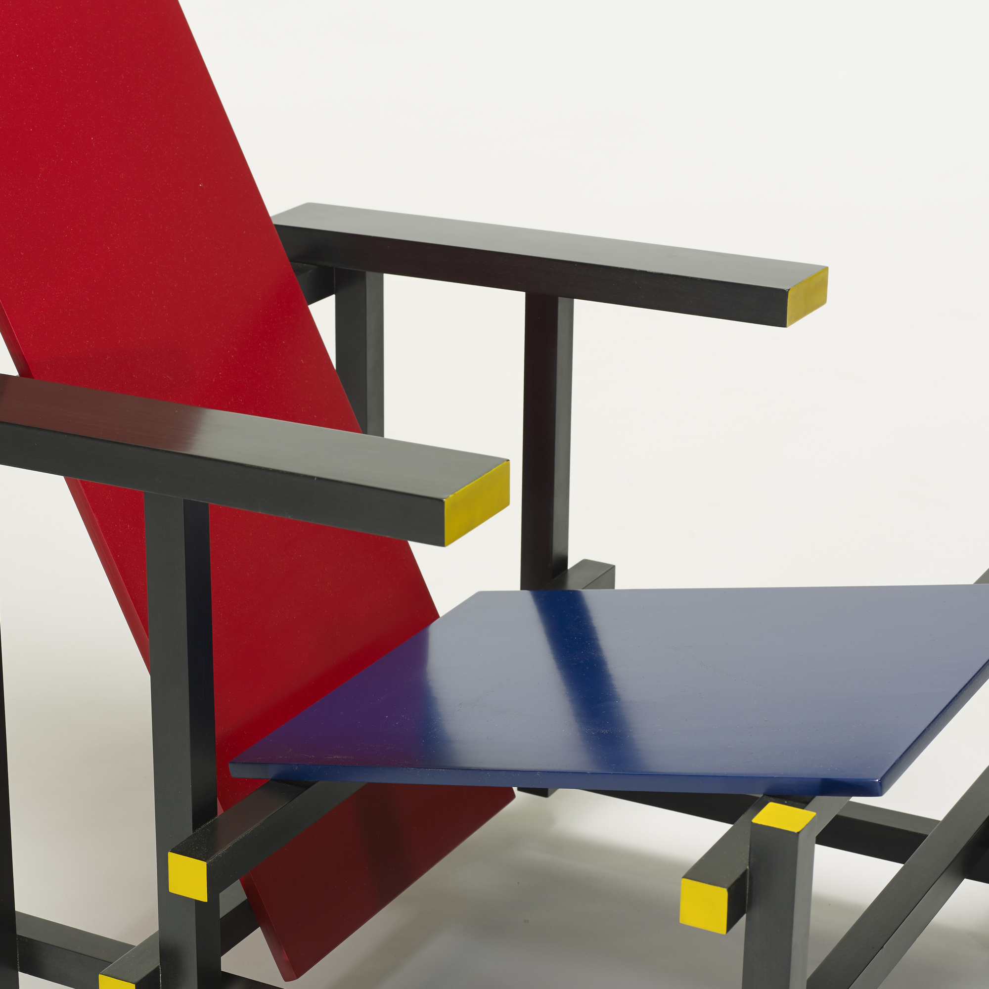380: Gerrit Rietveld / Red Blue chair (3 of 3)