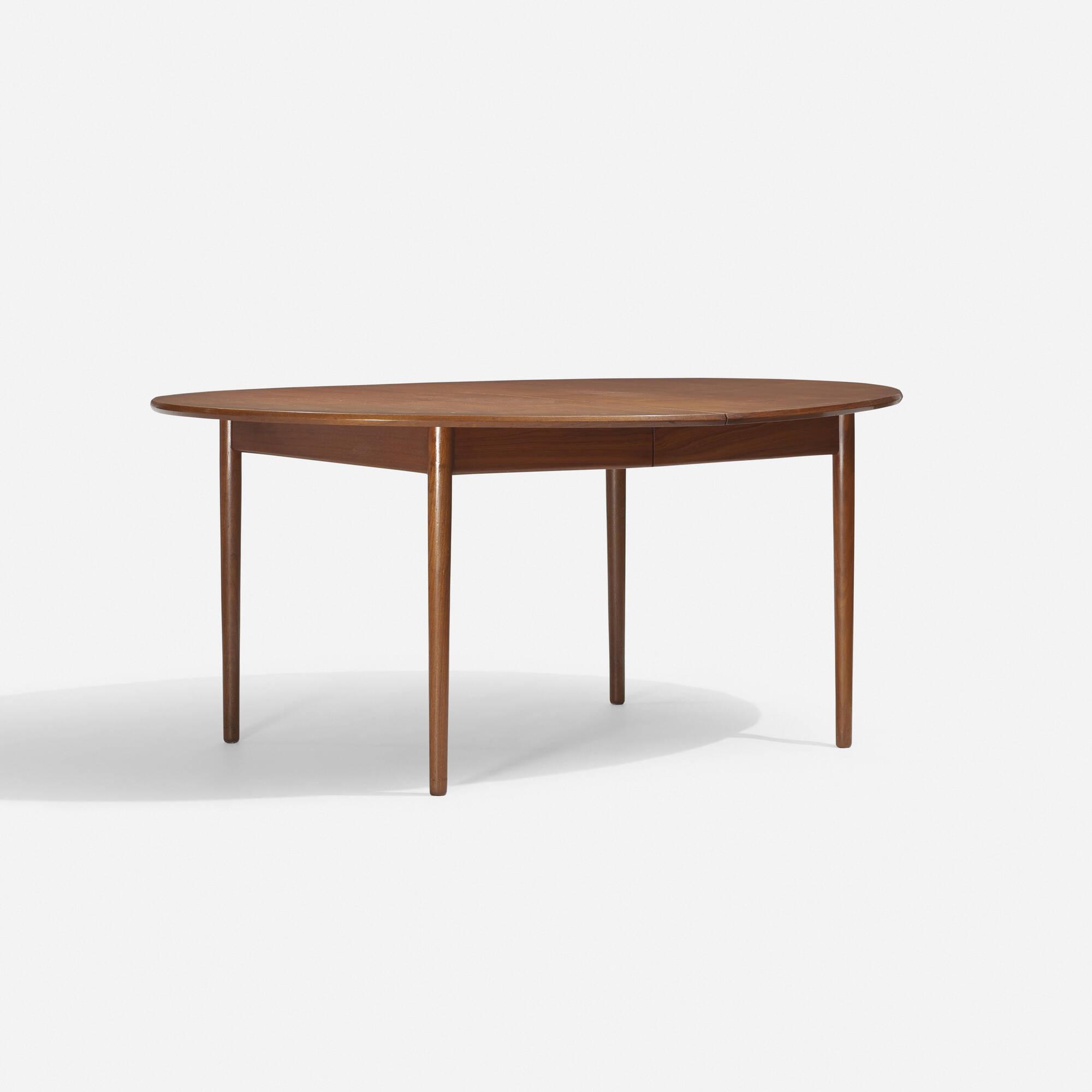 396: Ib Kofod-Larsen / dining table (1 of 3)