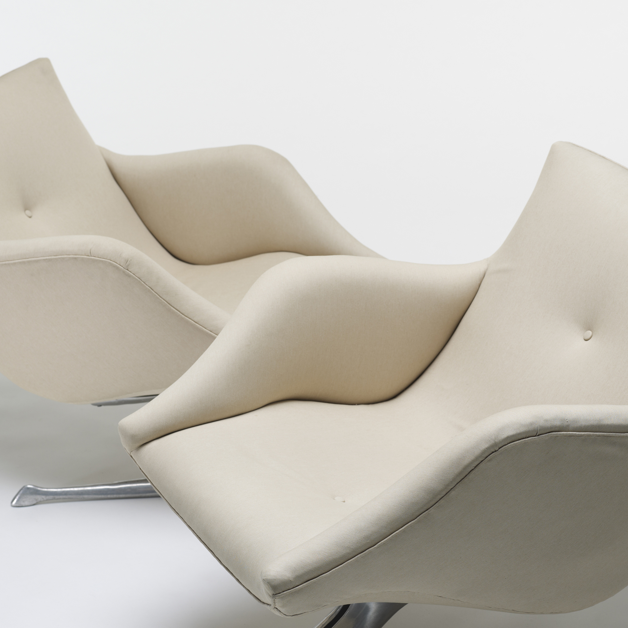 ... 396: Vladimir Kagan / Custom Unicorn Lounge Chairs, Pair (3 Of 3)