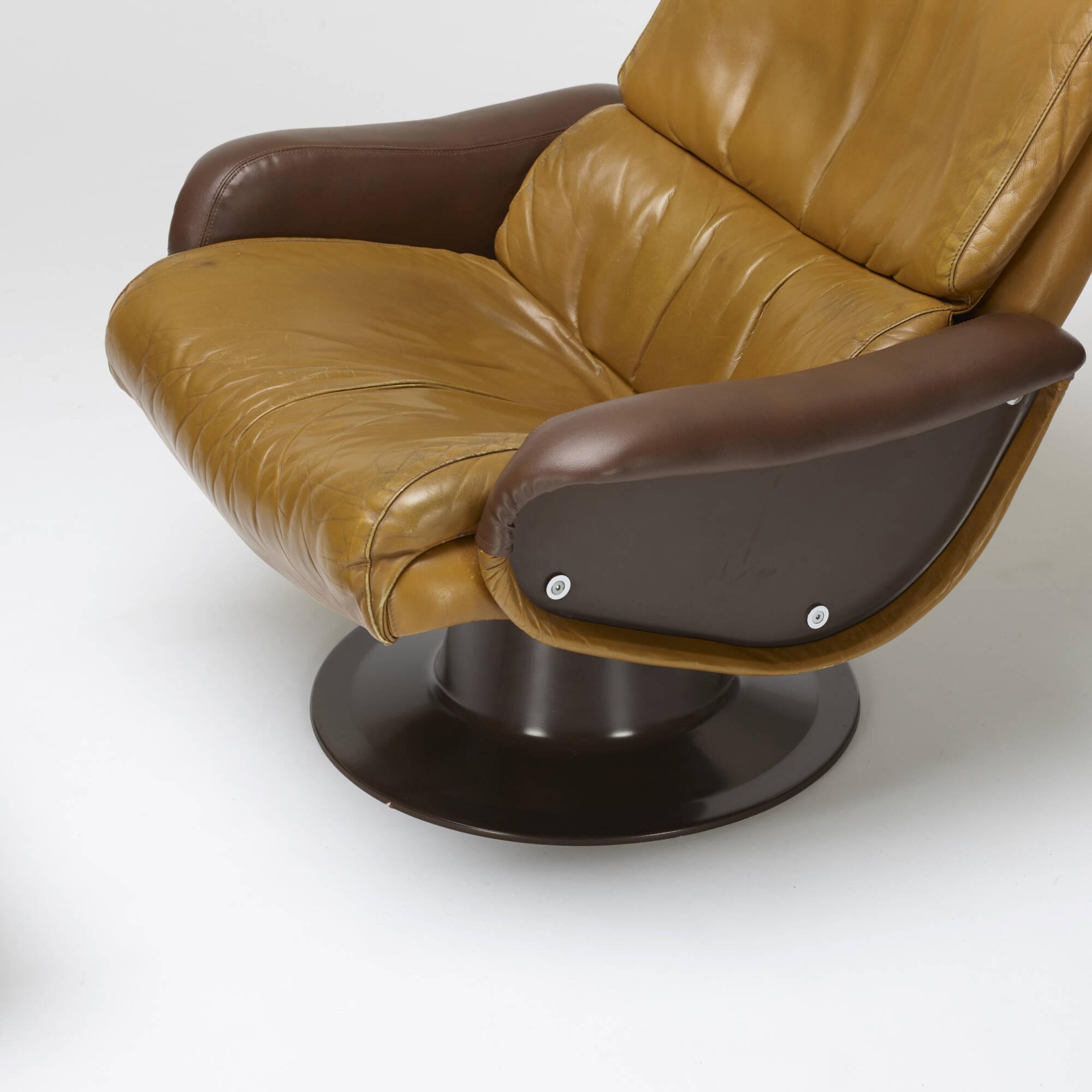 404: Yrjö Kukkapuro / Saturn lounge chair and ottoman (2 of 2)