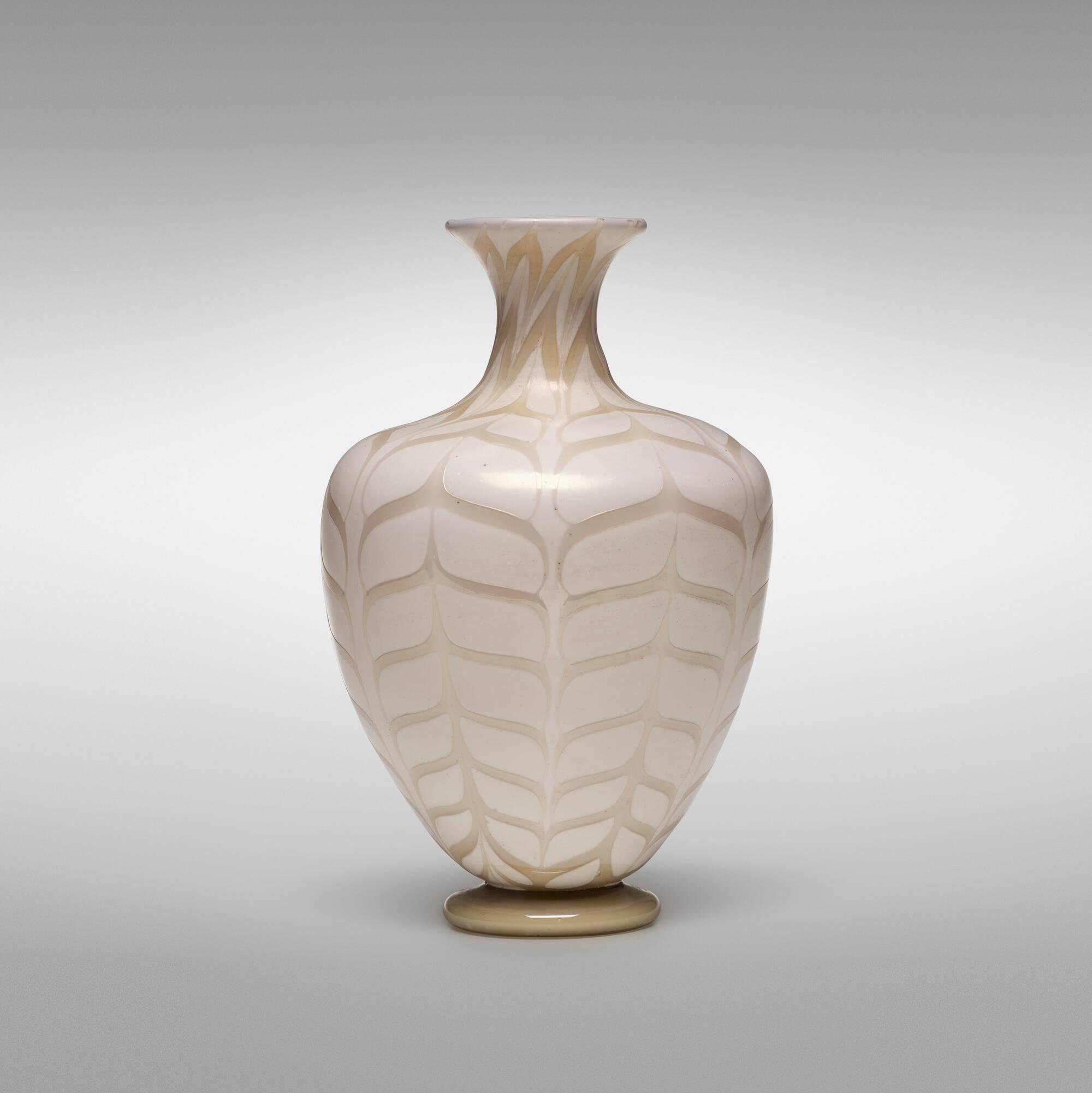40: Carlo Scarpa / Fenicio vase (2 of 4)