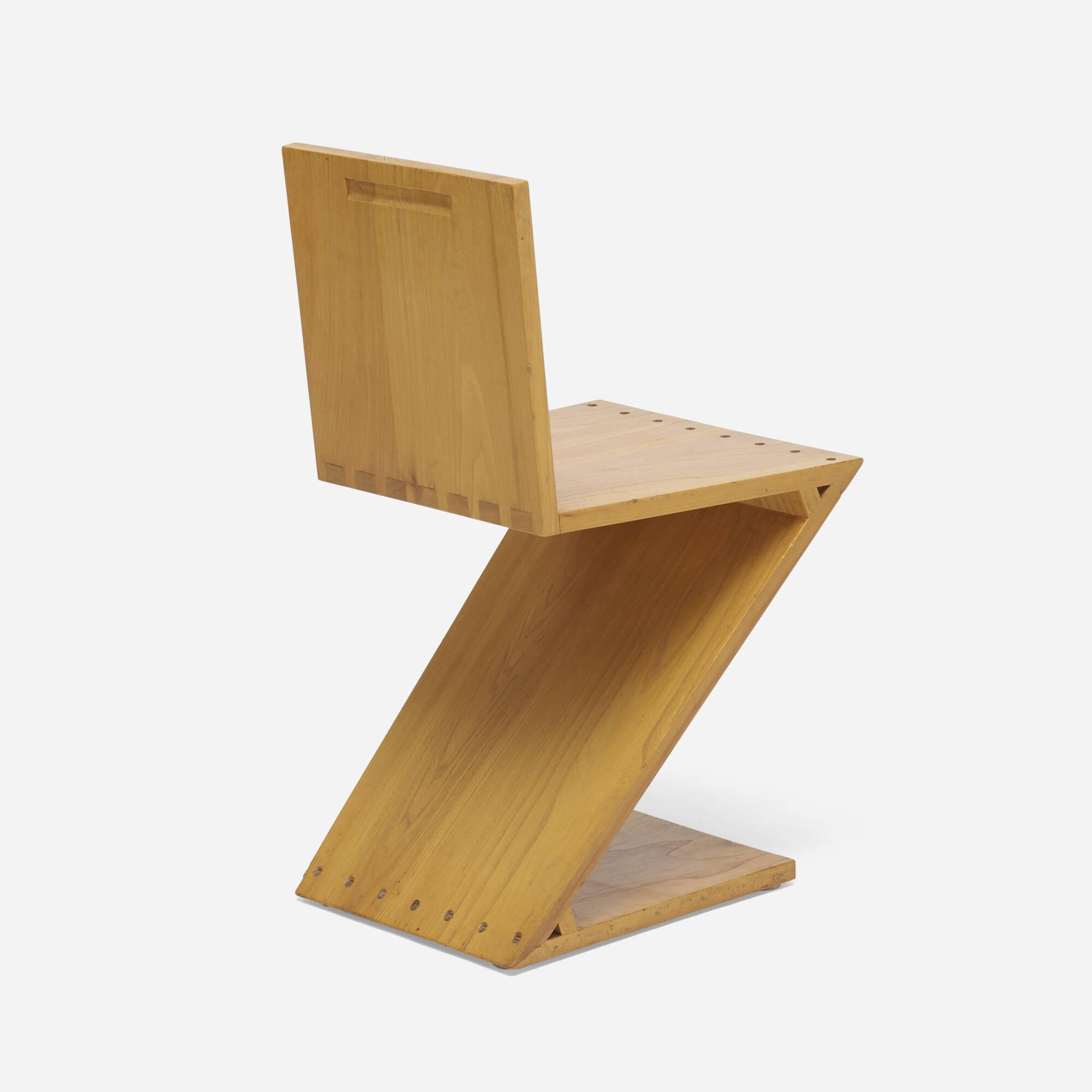 419: Gerrit Rietveld / Zig-Zag chair (1 of 3)