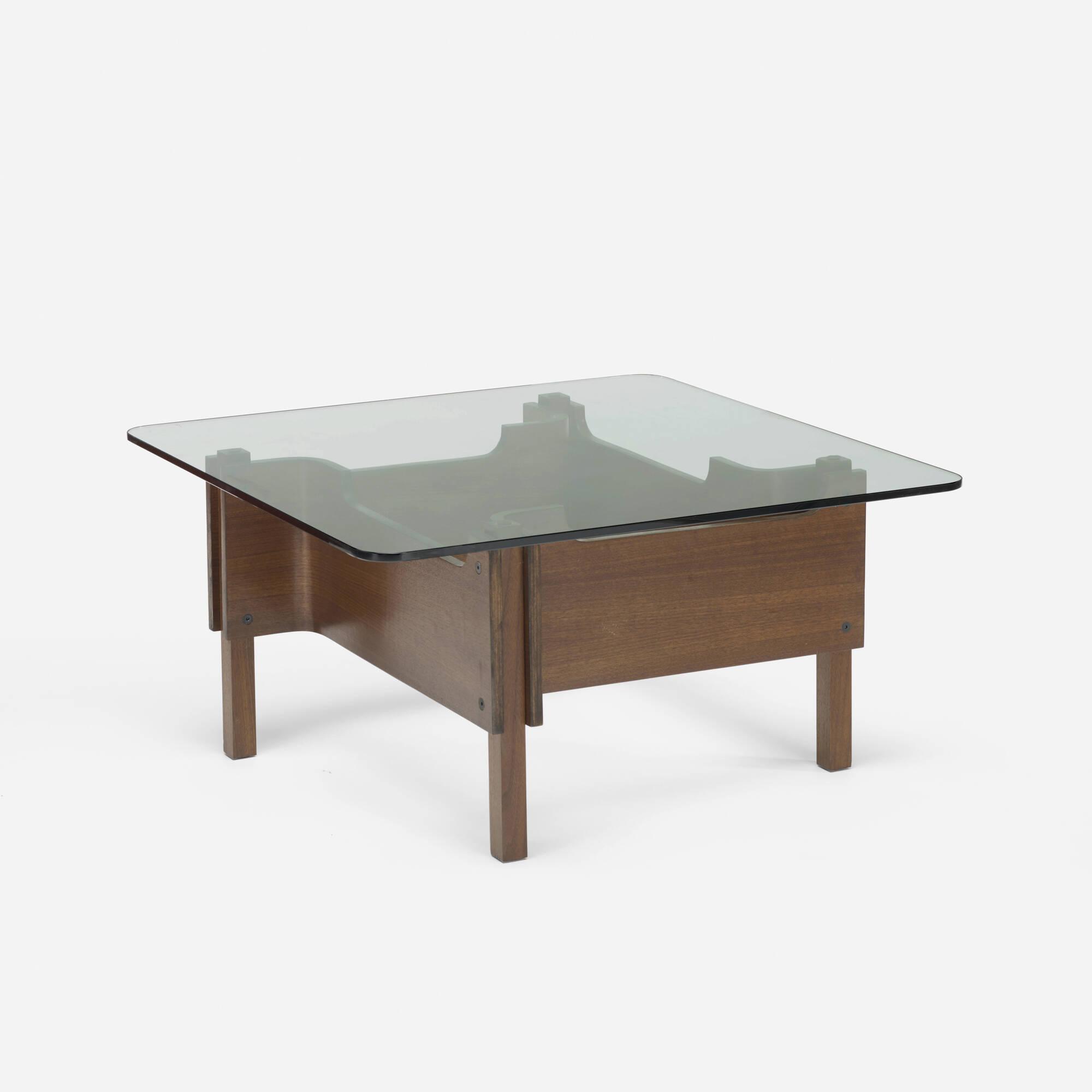 429: Paolo Portoghesi / Levogiro coffee table (1 of 2)