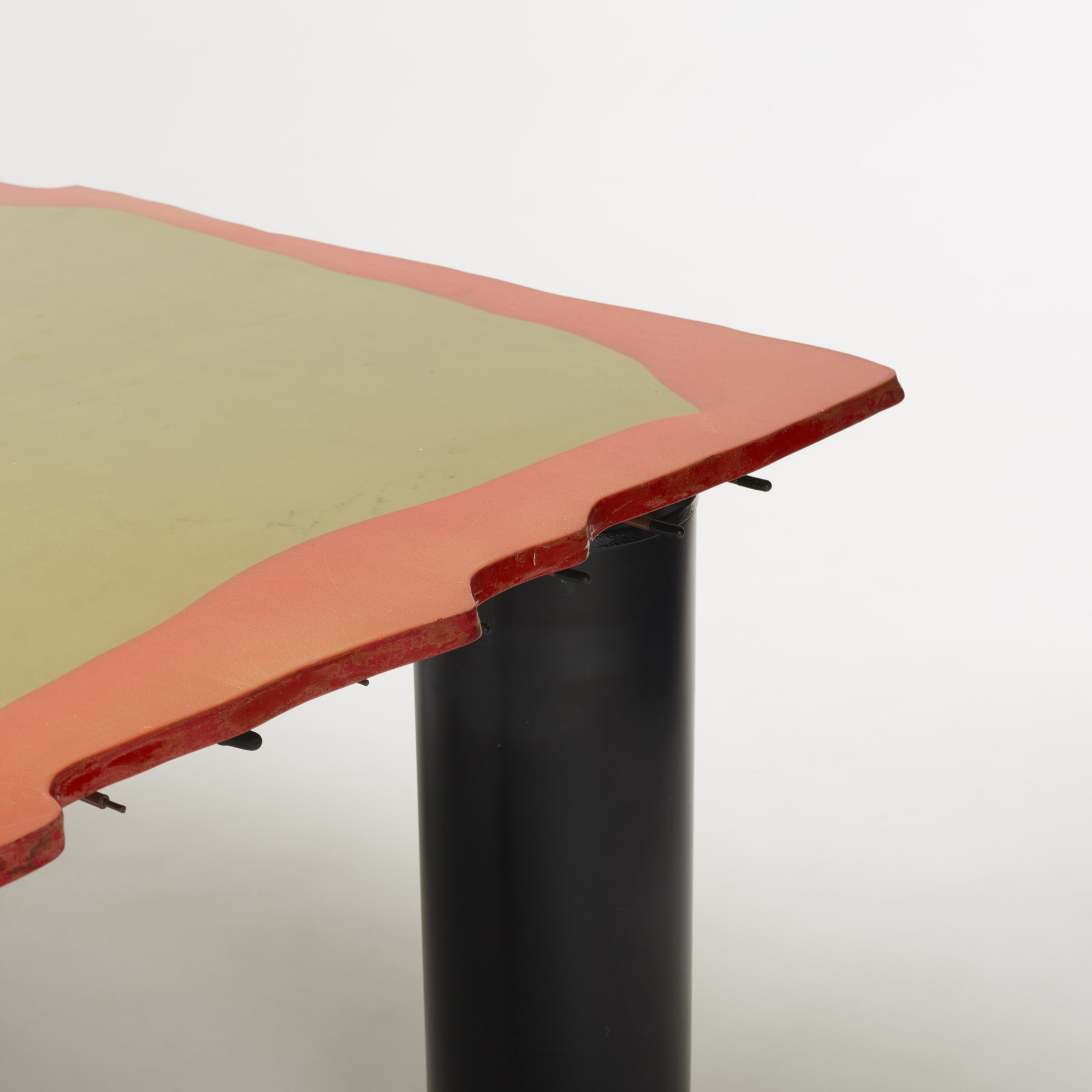 430: Gaetano Pesce / Sansone II dining table (3 of 3)