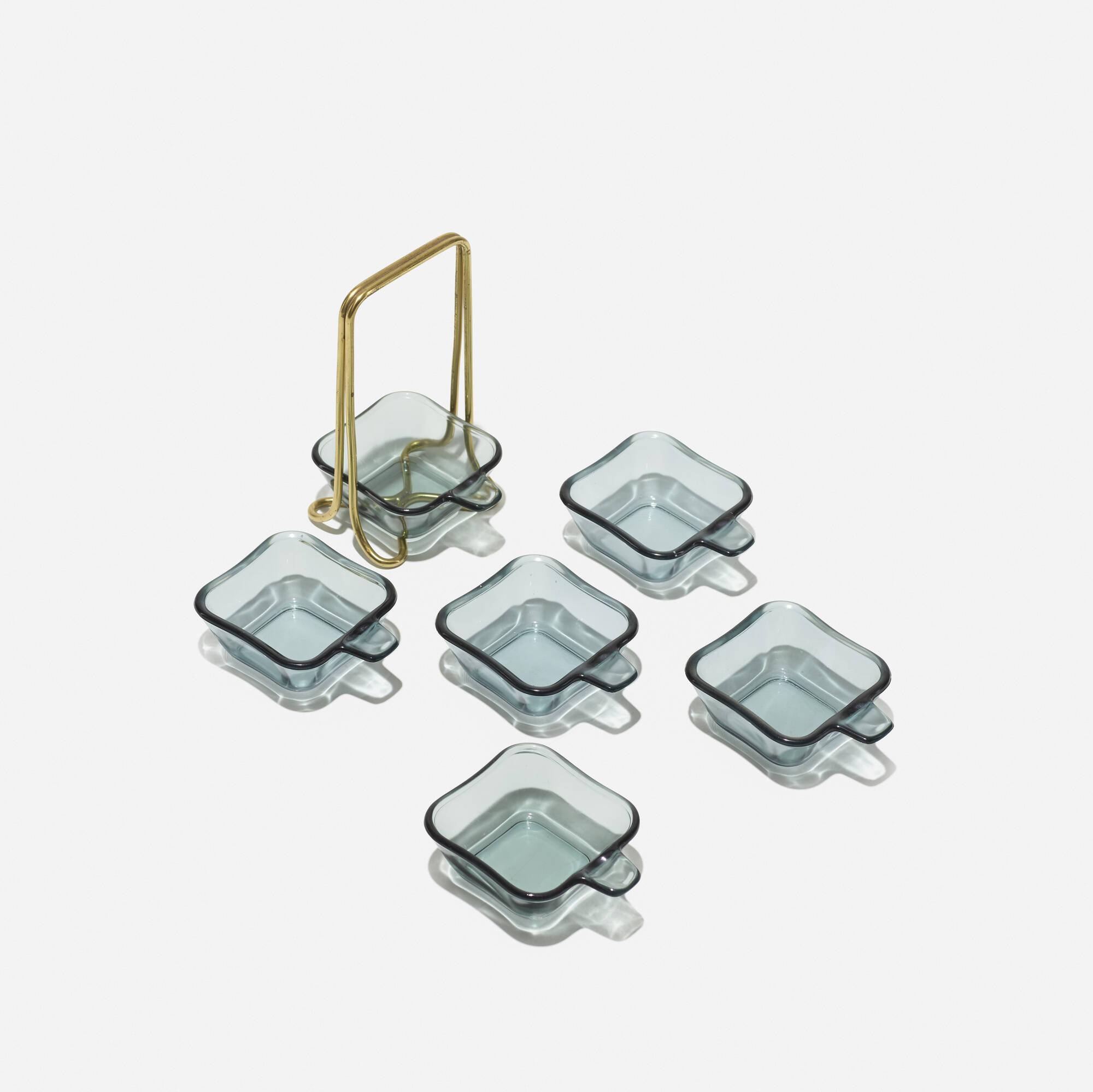 433: Wilhelm Wagenfeld / Pile ashtray set (1 of 2)
