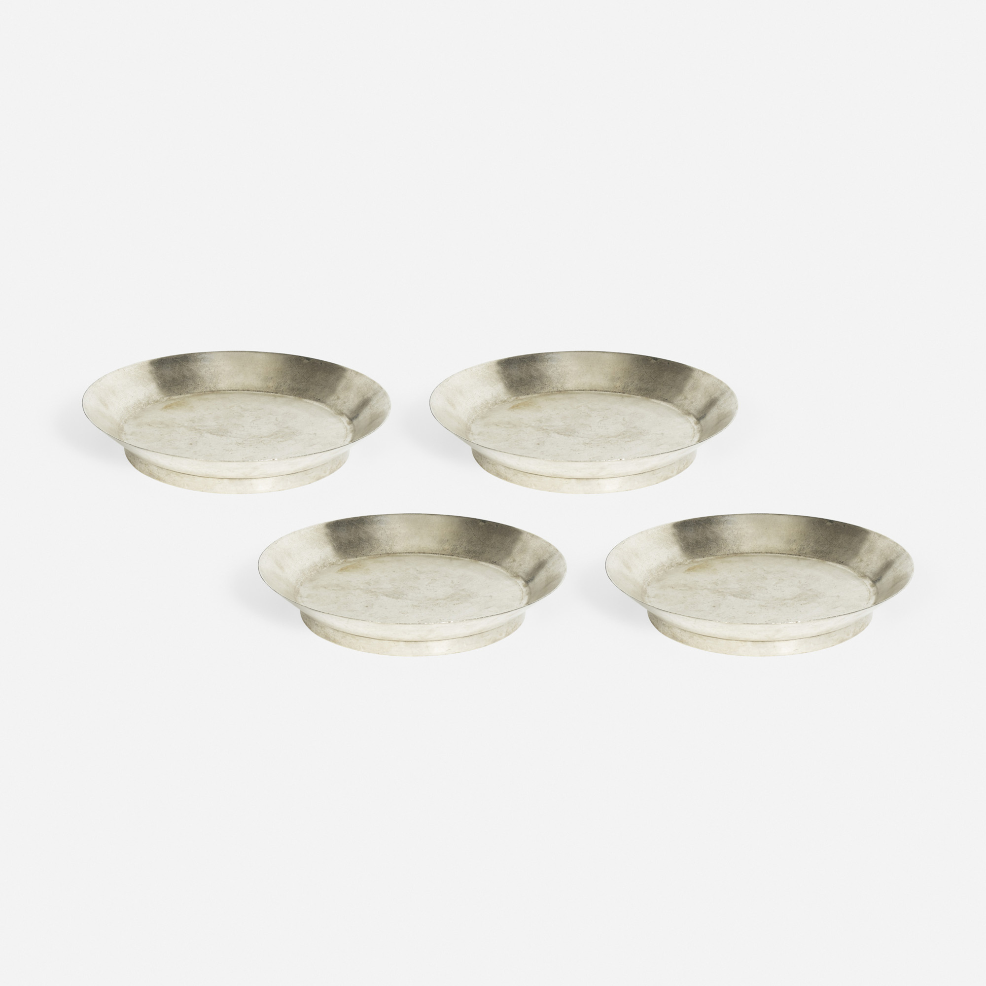 435: Garth and Ada Louise Huxtable / Oyster dishes from The Four Seasons, set of four (1 of 1)