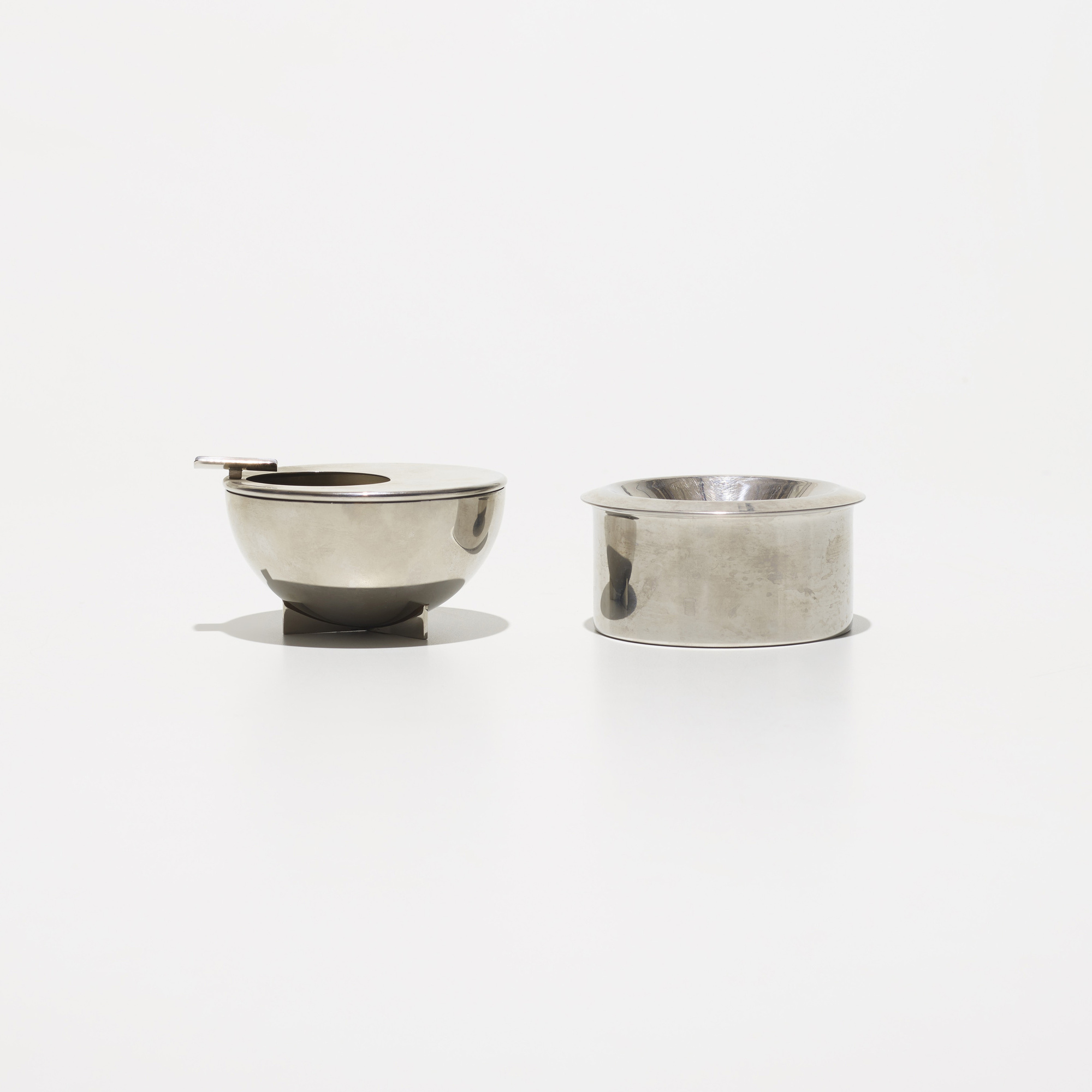 448: Marianne Brandt / ashtrays, set of two (2 of 3)