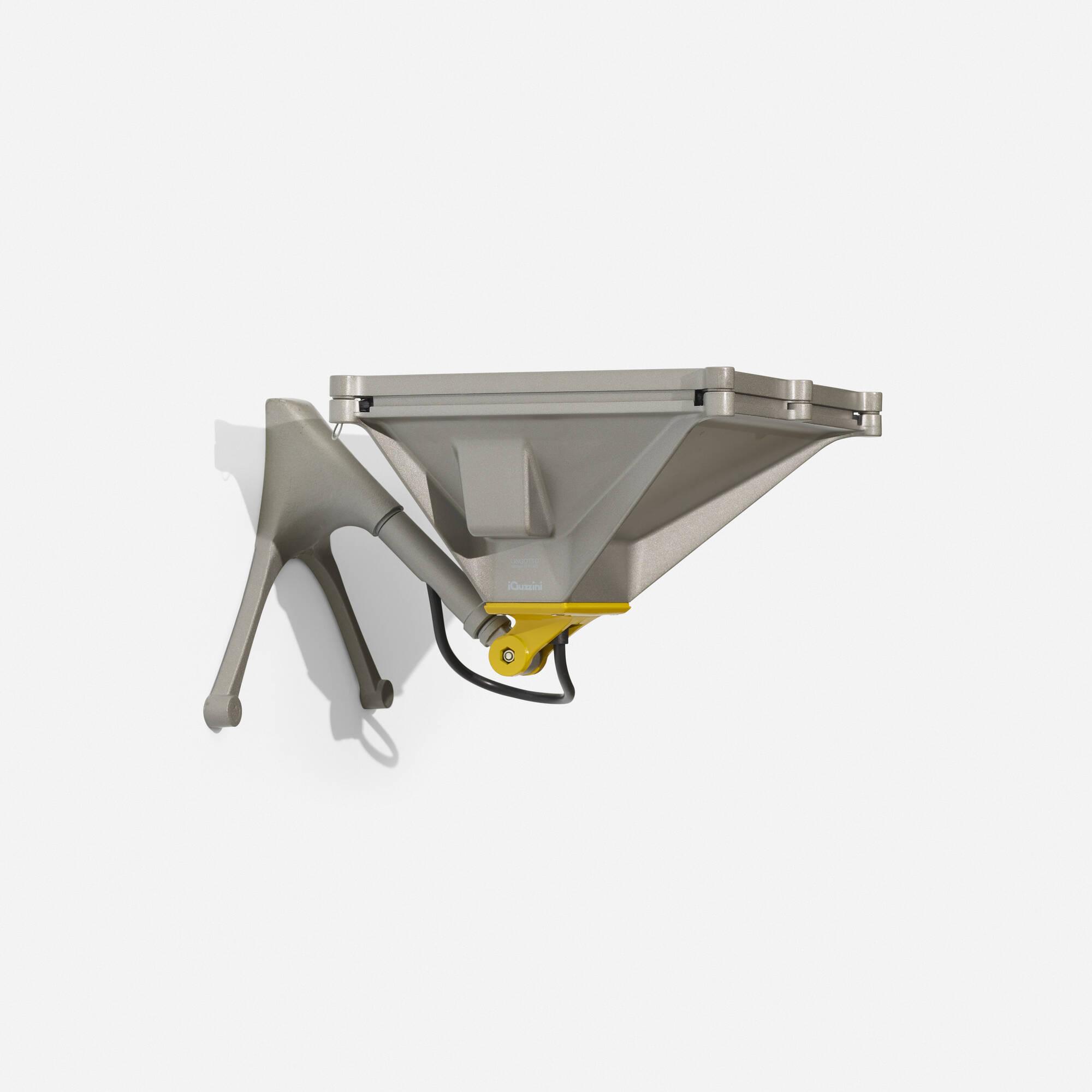 454: Renzo Piano / Lingotto sconce (1 of 1)
