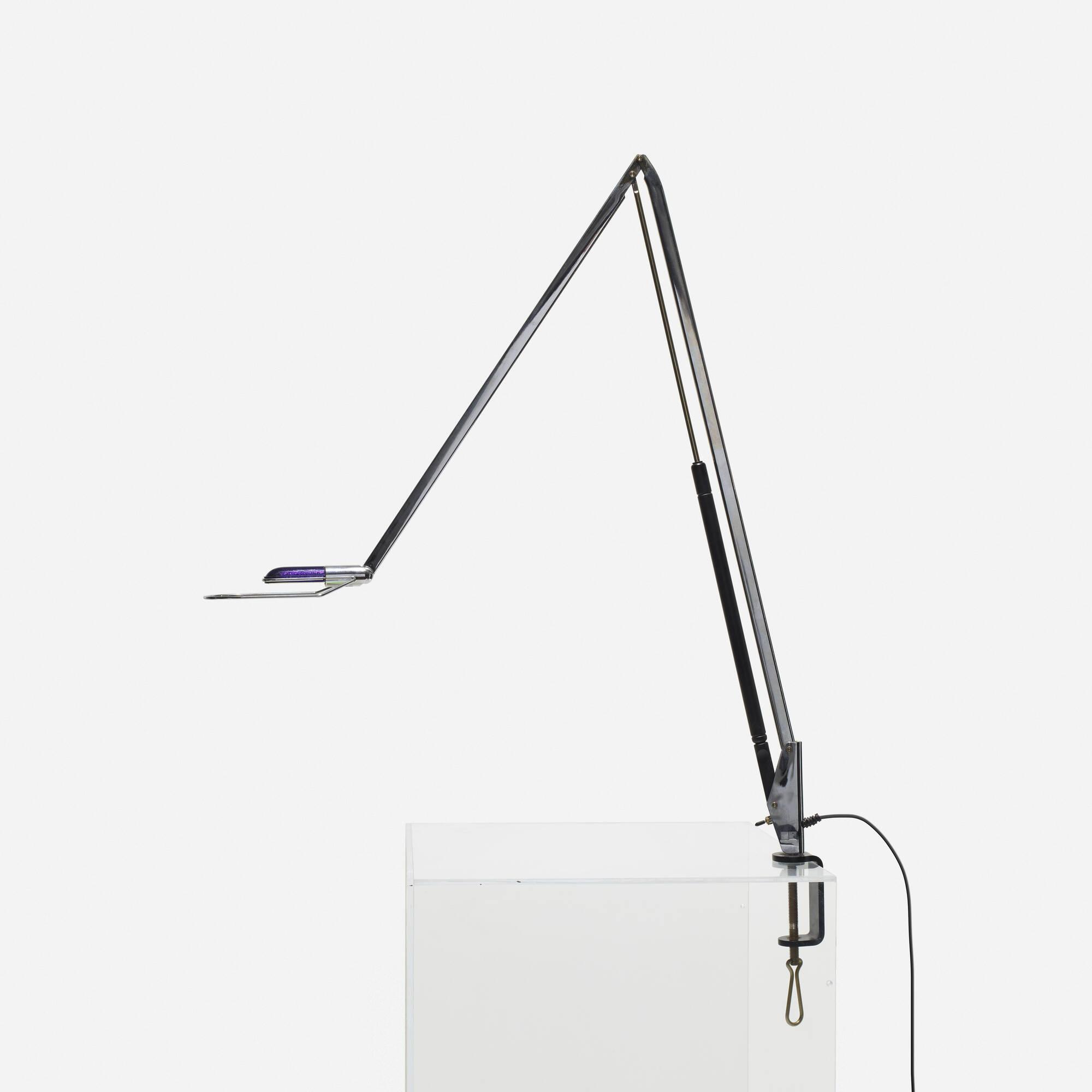 463: Benjamin Thut / Lifto vise lamp (1 of 2)
