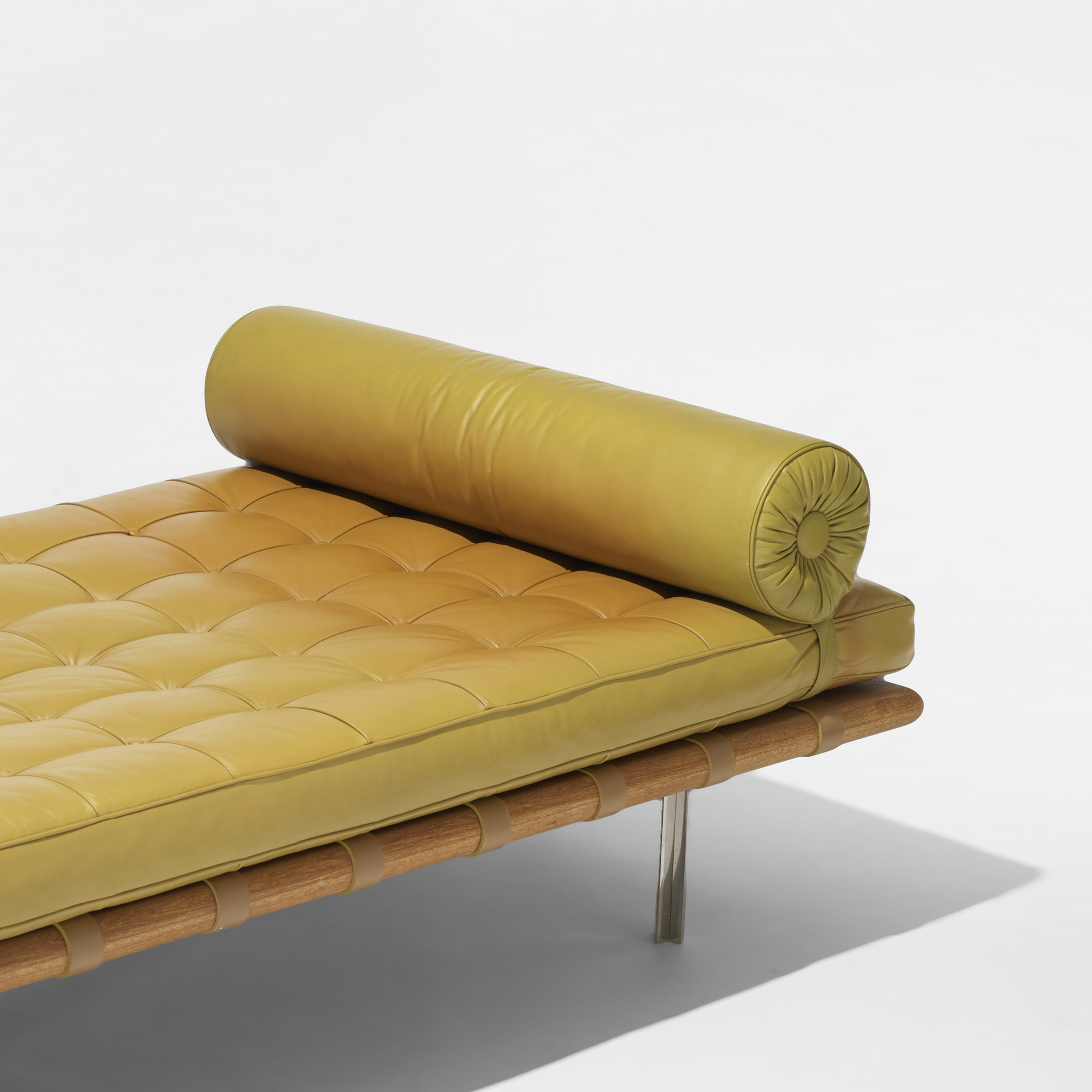 517 Ludwig Mies van der Rohe Barcelona daybed from 860 Lake