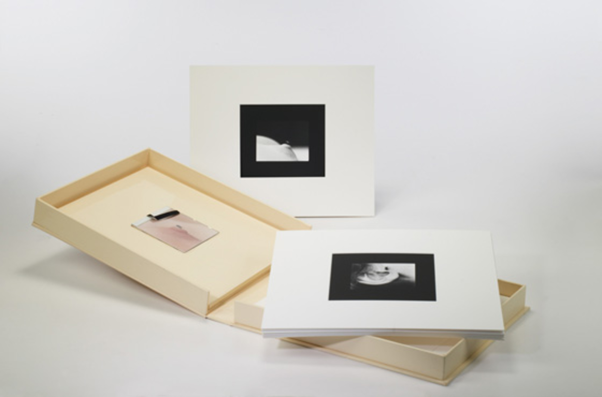 519 Yoko Ono Fly Portfolio Important Design Day 2 20 May 2008 Auctions Wright Auctions Of Art And Design