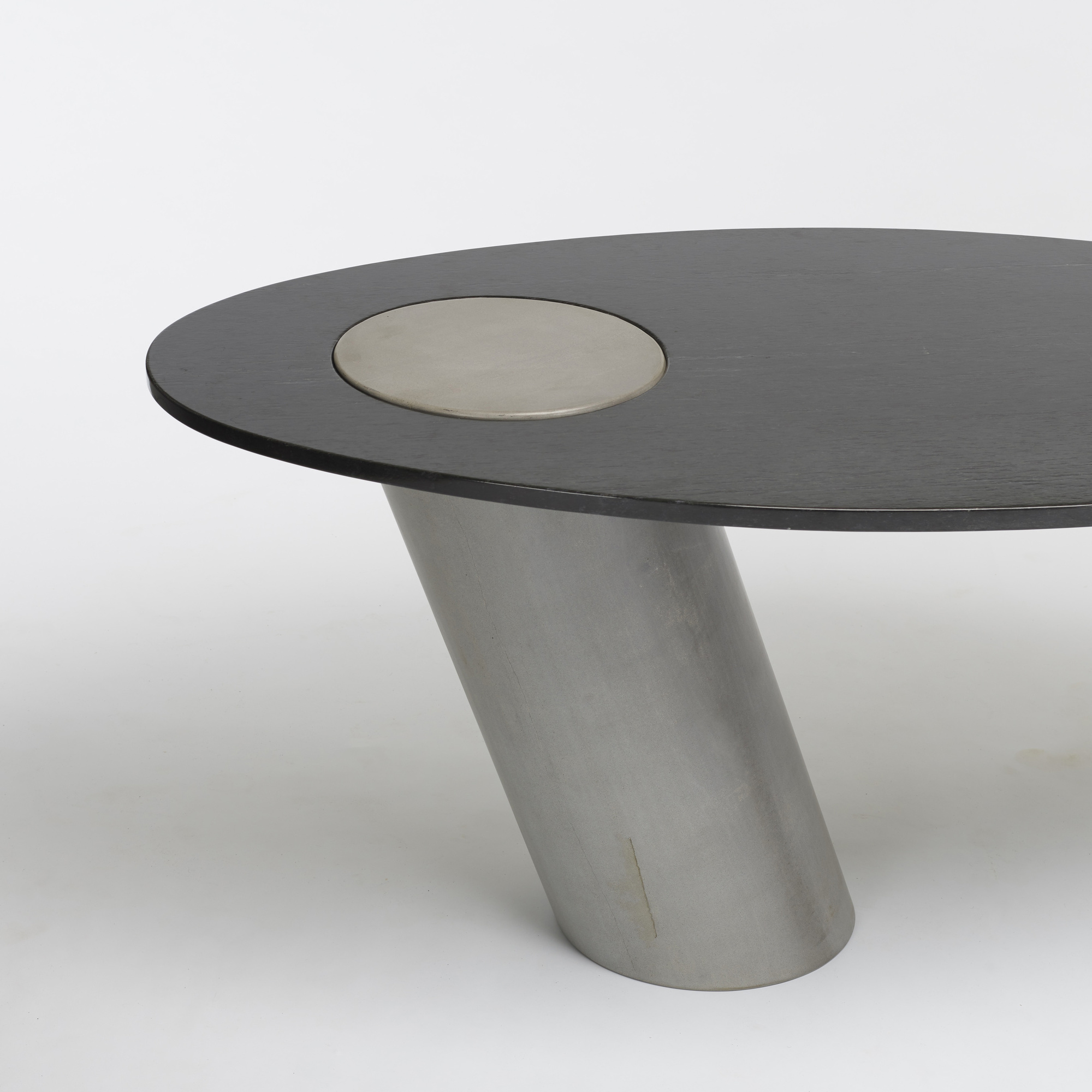 528: Angelo Mangiarotti / cantilevered table (2 of 2)