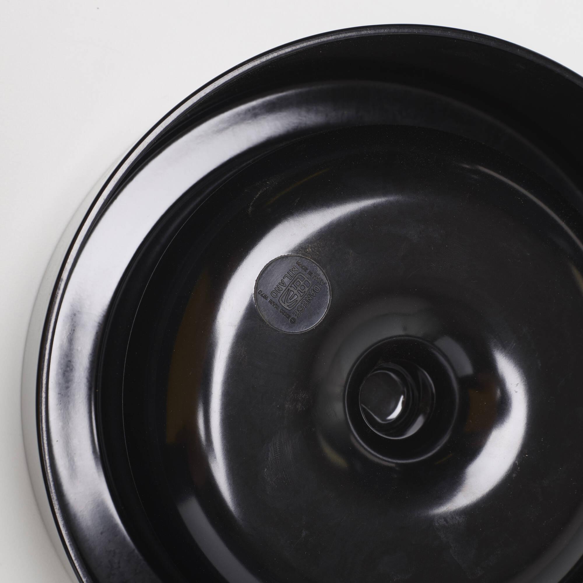 533: Enzo Mari / ashtrays, pair (3 of 3)