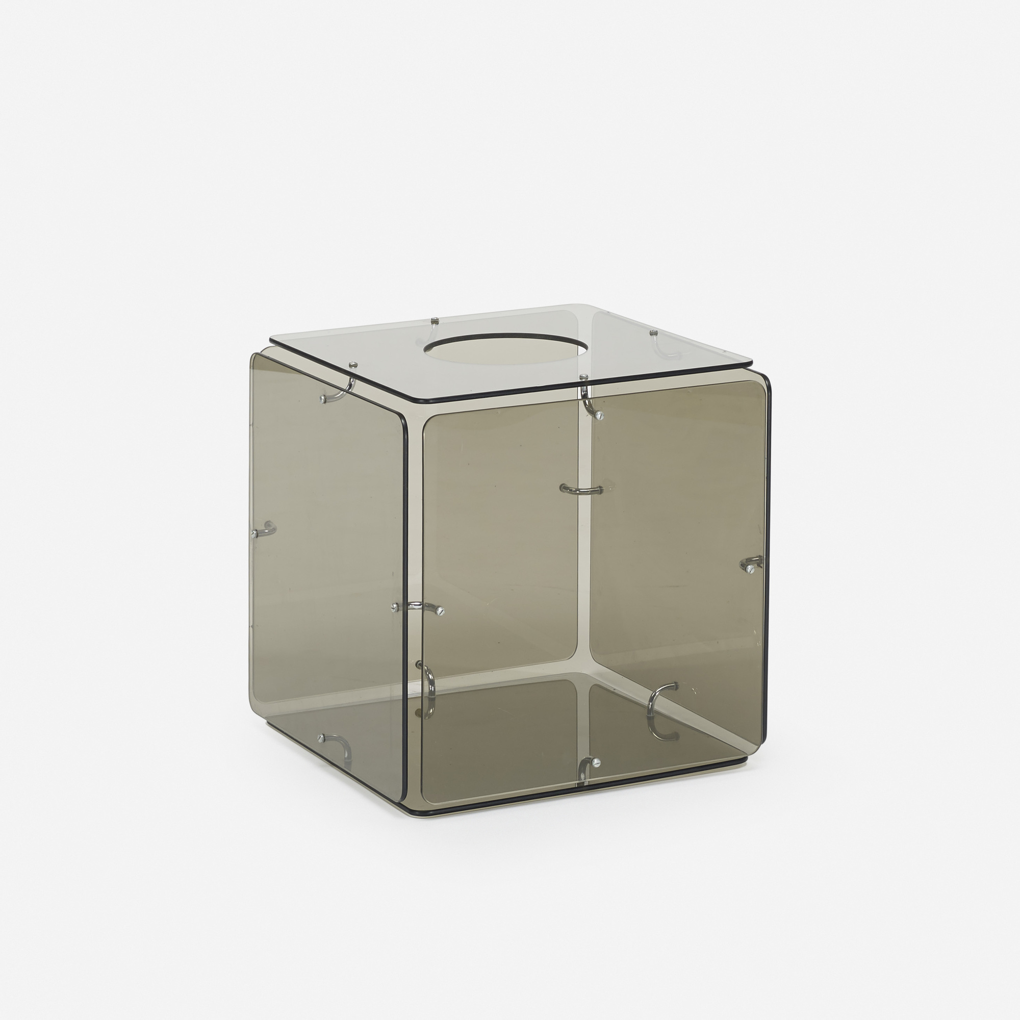 554: Gerald McCabe / occasional table (1 of 1)