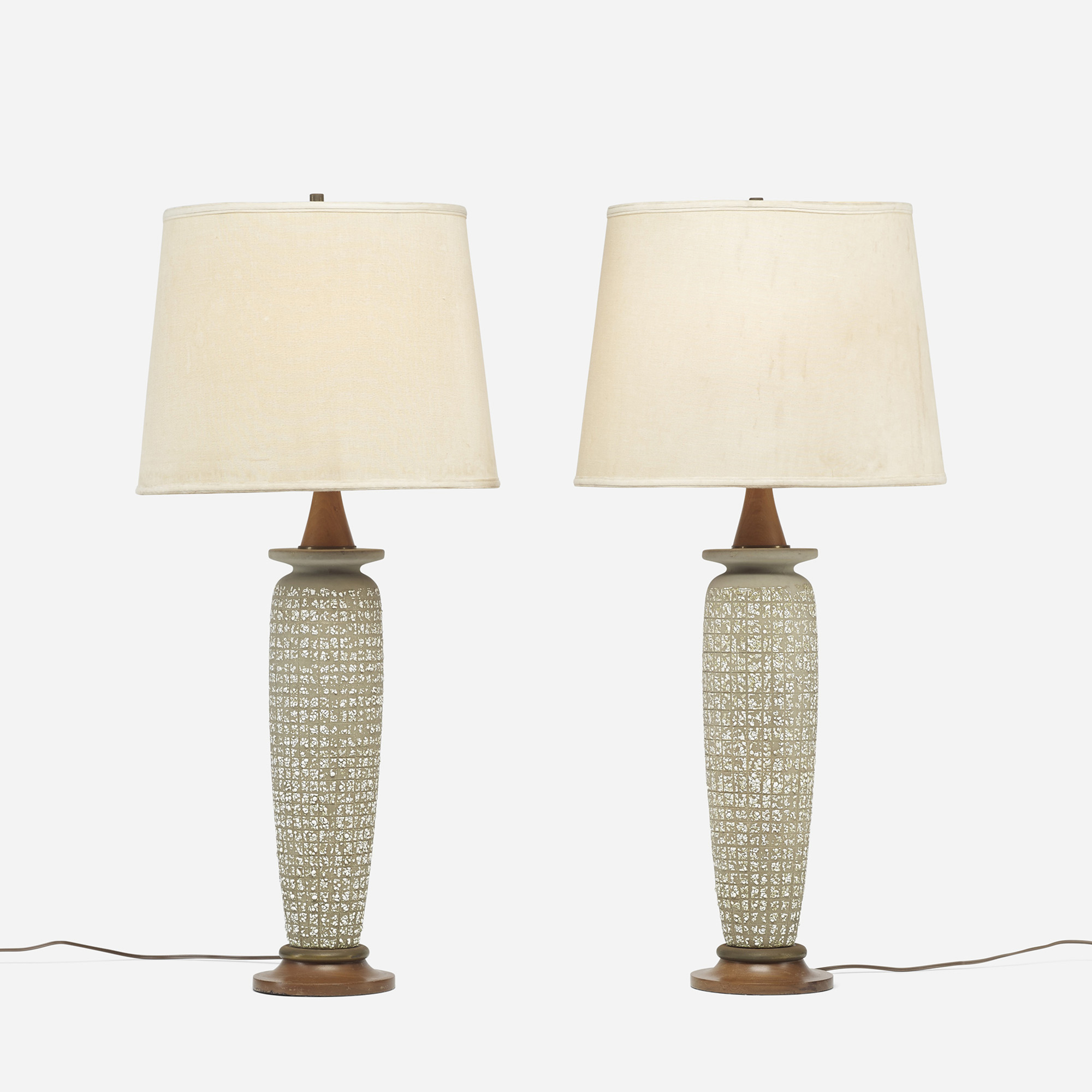 582: Modern / table lamps, pair (1 of 3)