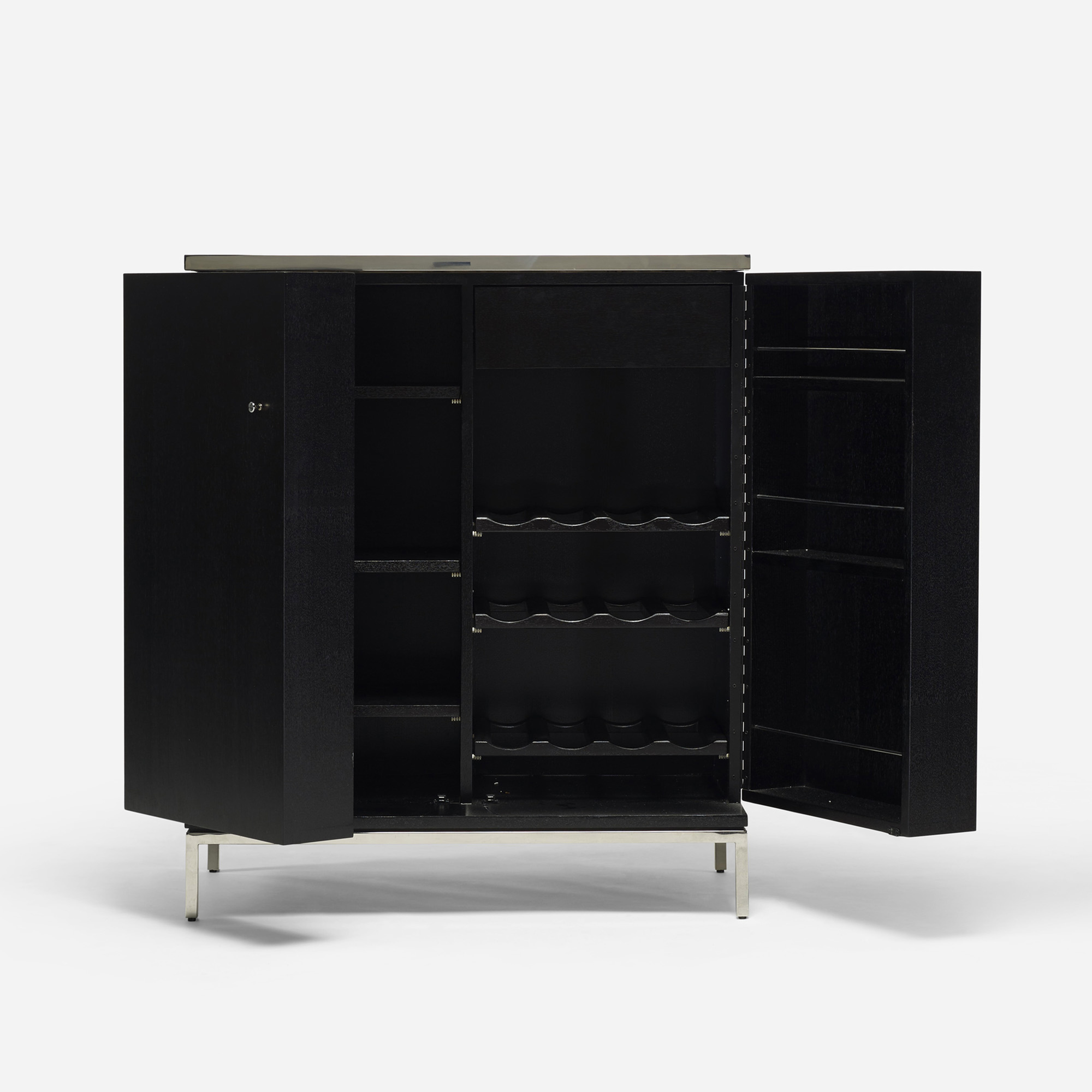 587: Modern / bar cabinet (3 of 4)