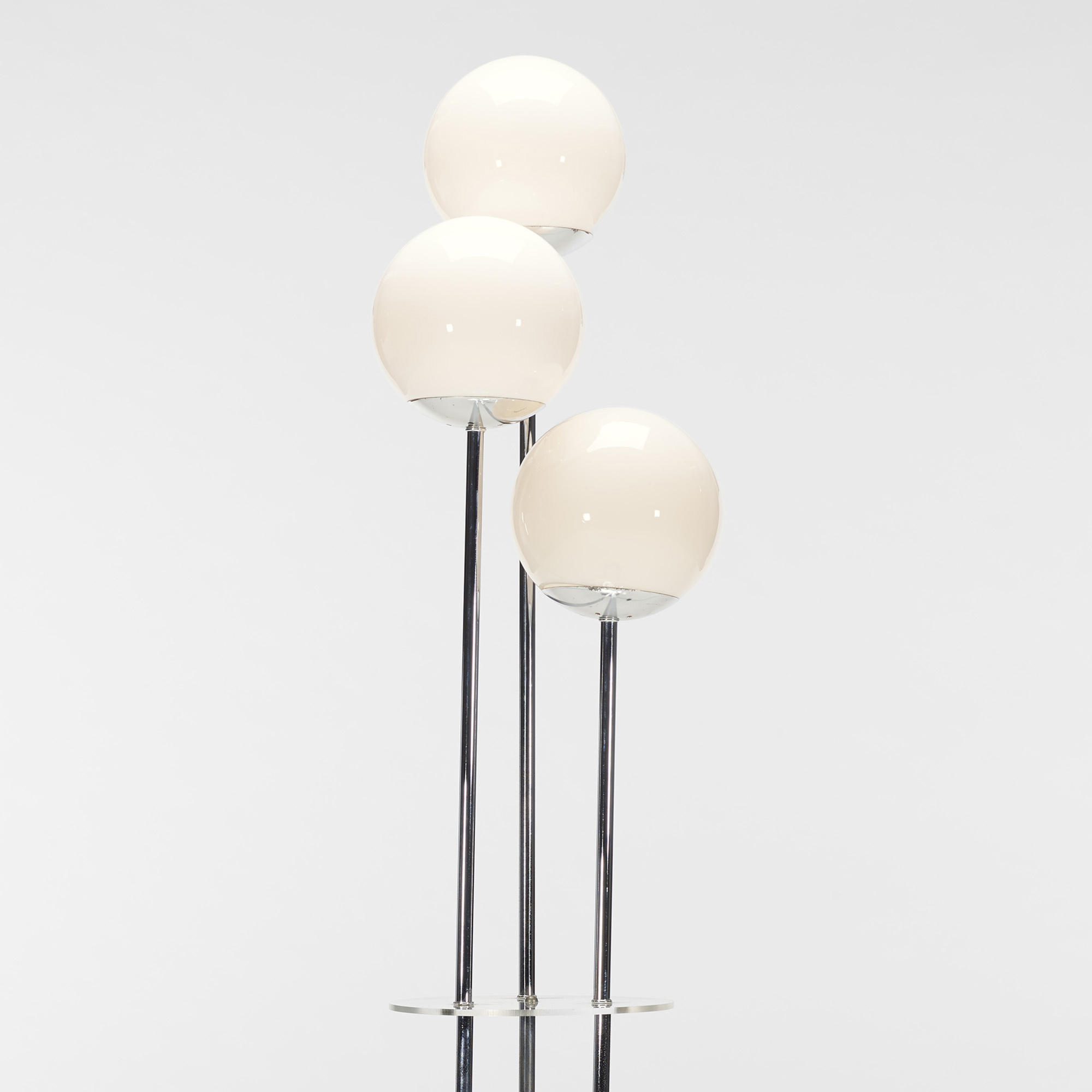 589: Modern / floor lamp (2 of 2)