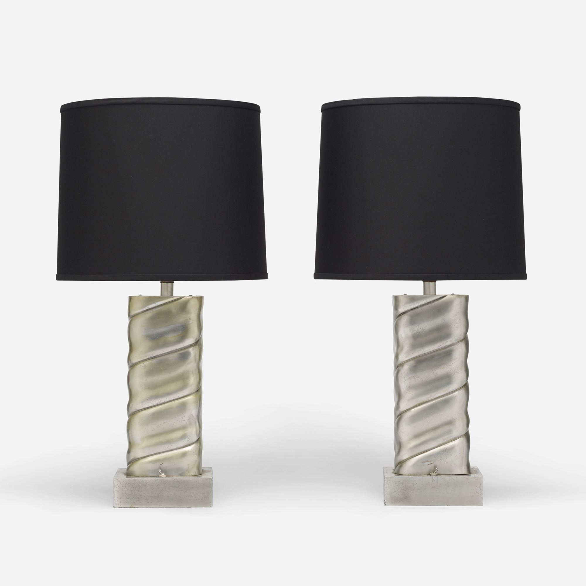 592: Modern / table lamps, pair (1 of 3)