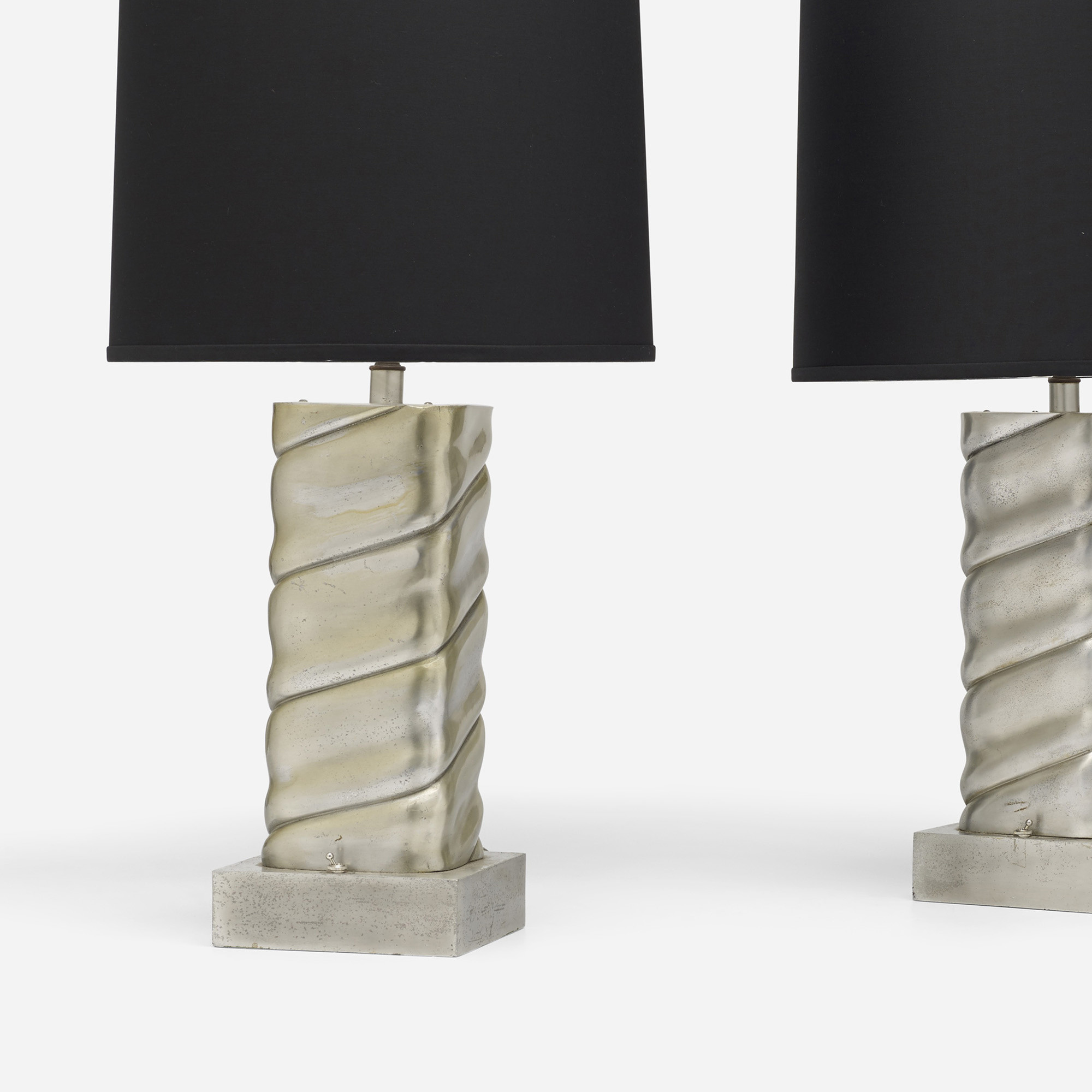 592: Modern / table lamps, pair (2 of 3)