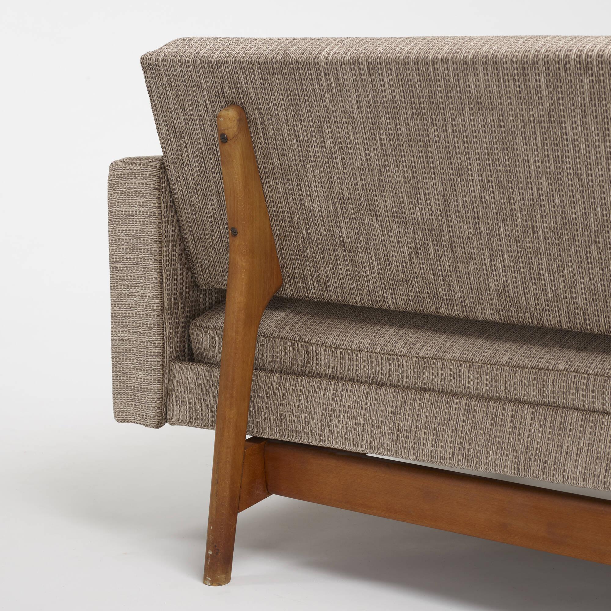 601: Modern / sofa (4 of 4)